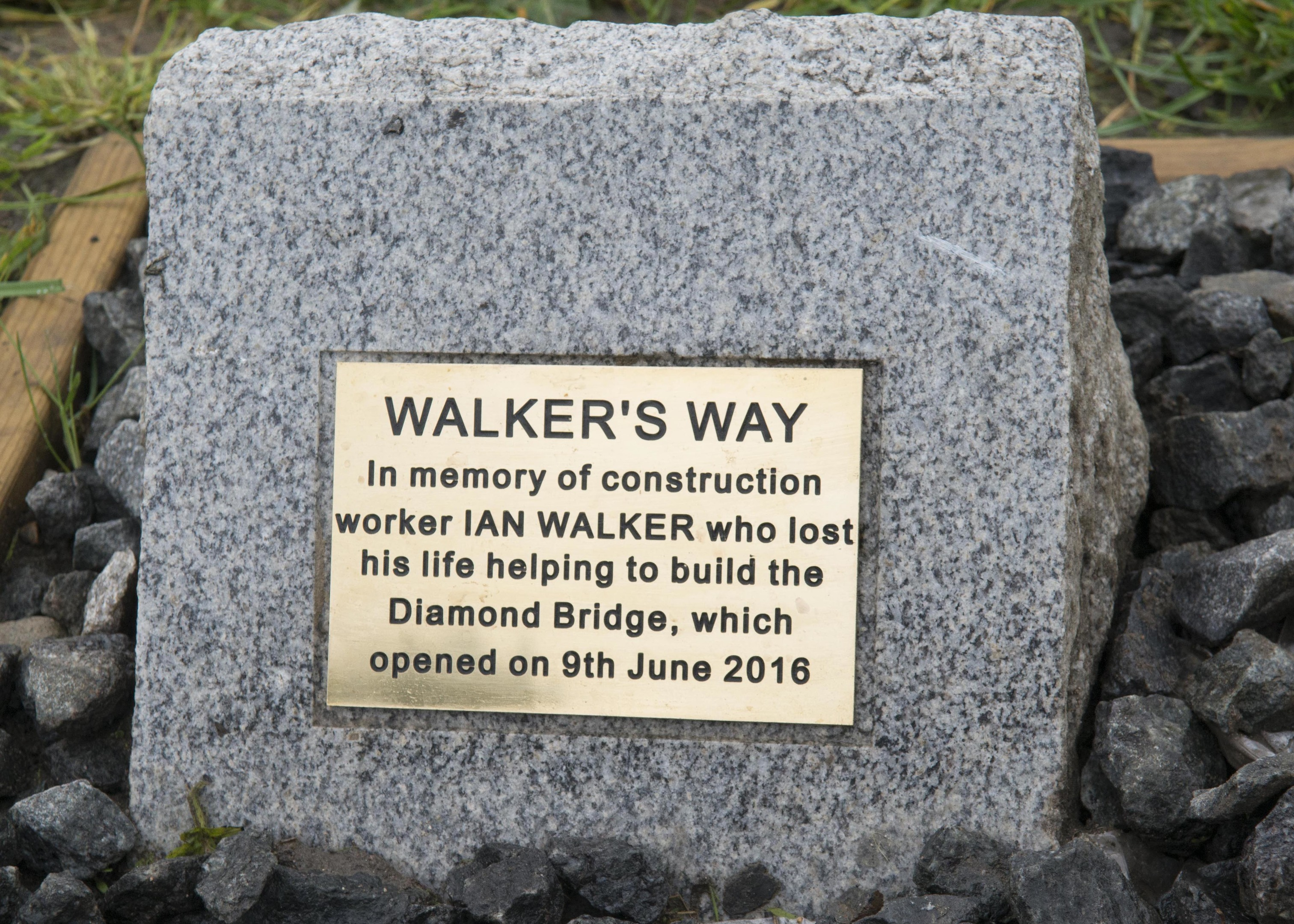 tribute:  The plaque for Ian Walker, who died while helping construct the third Don bridge.