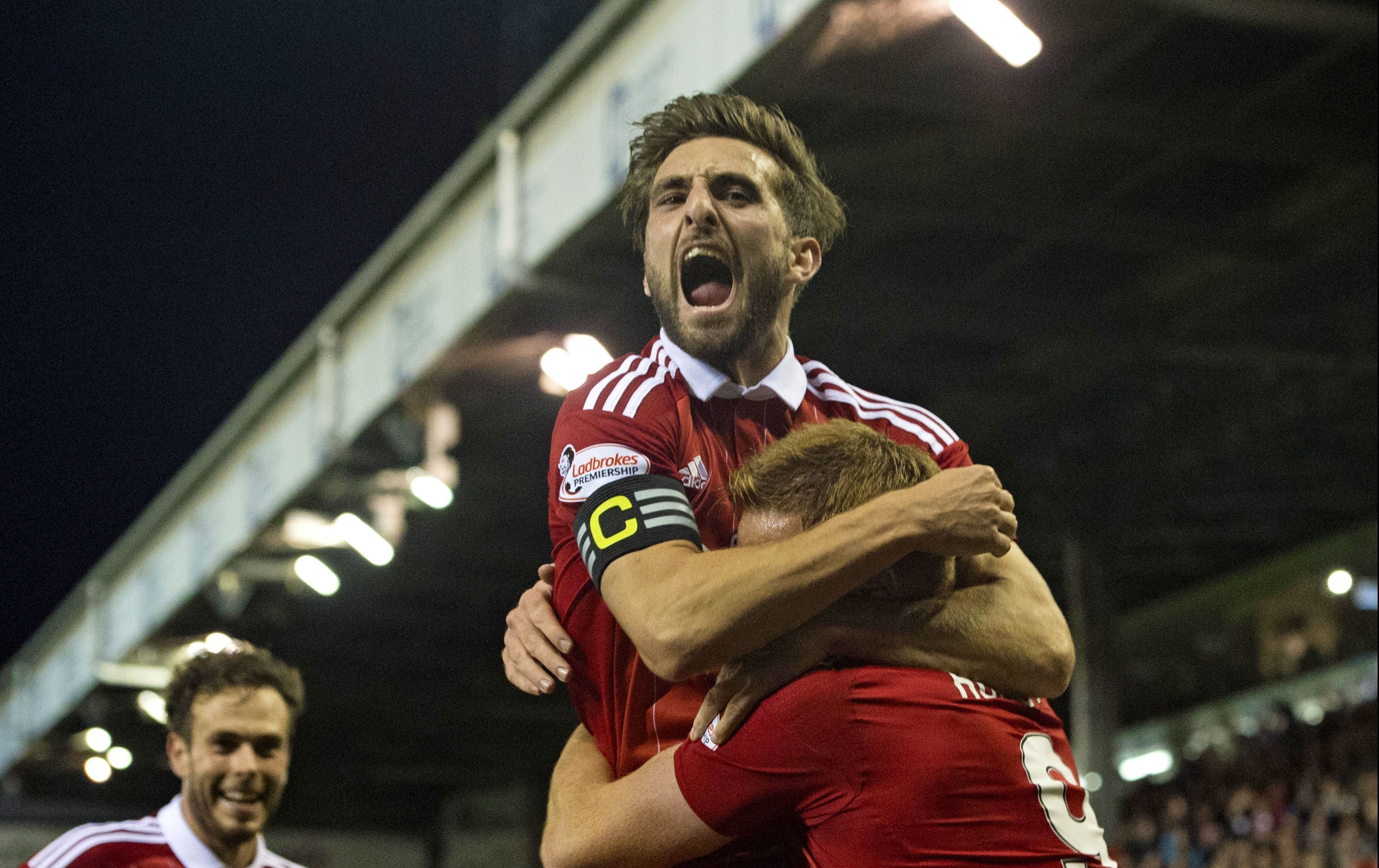 Graeme Shinnie has been named Aberdeen FC Player of the Year.