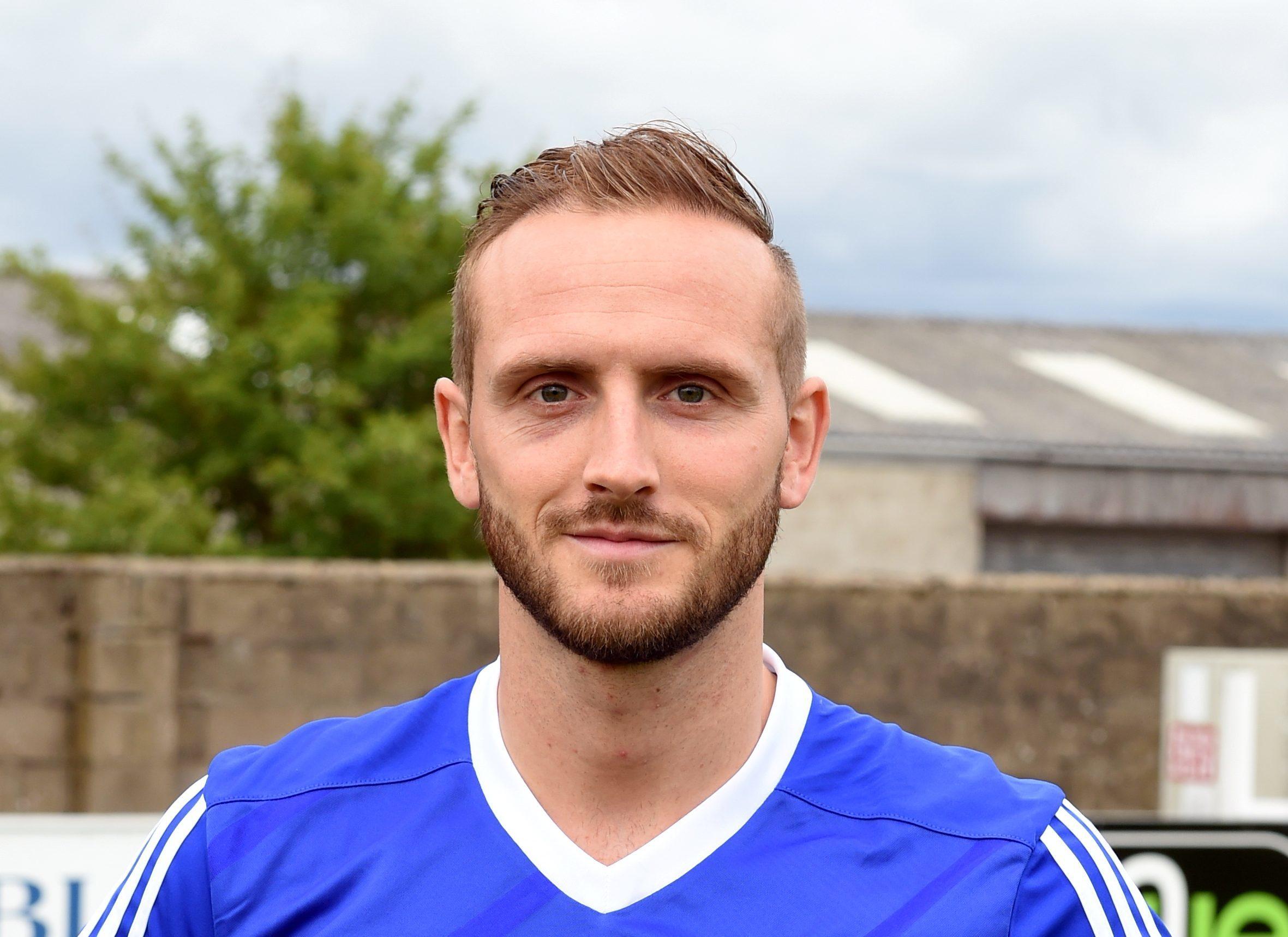 Jonny Smith got Cove's goal in Midlothian.