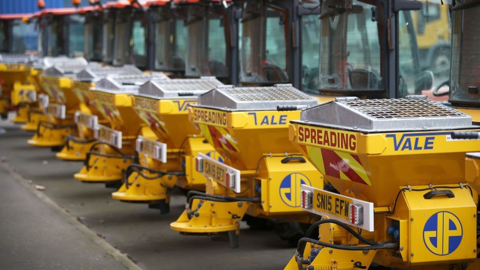 Pavement gritting machines are ready for the cold snap