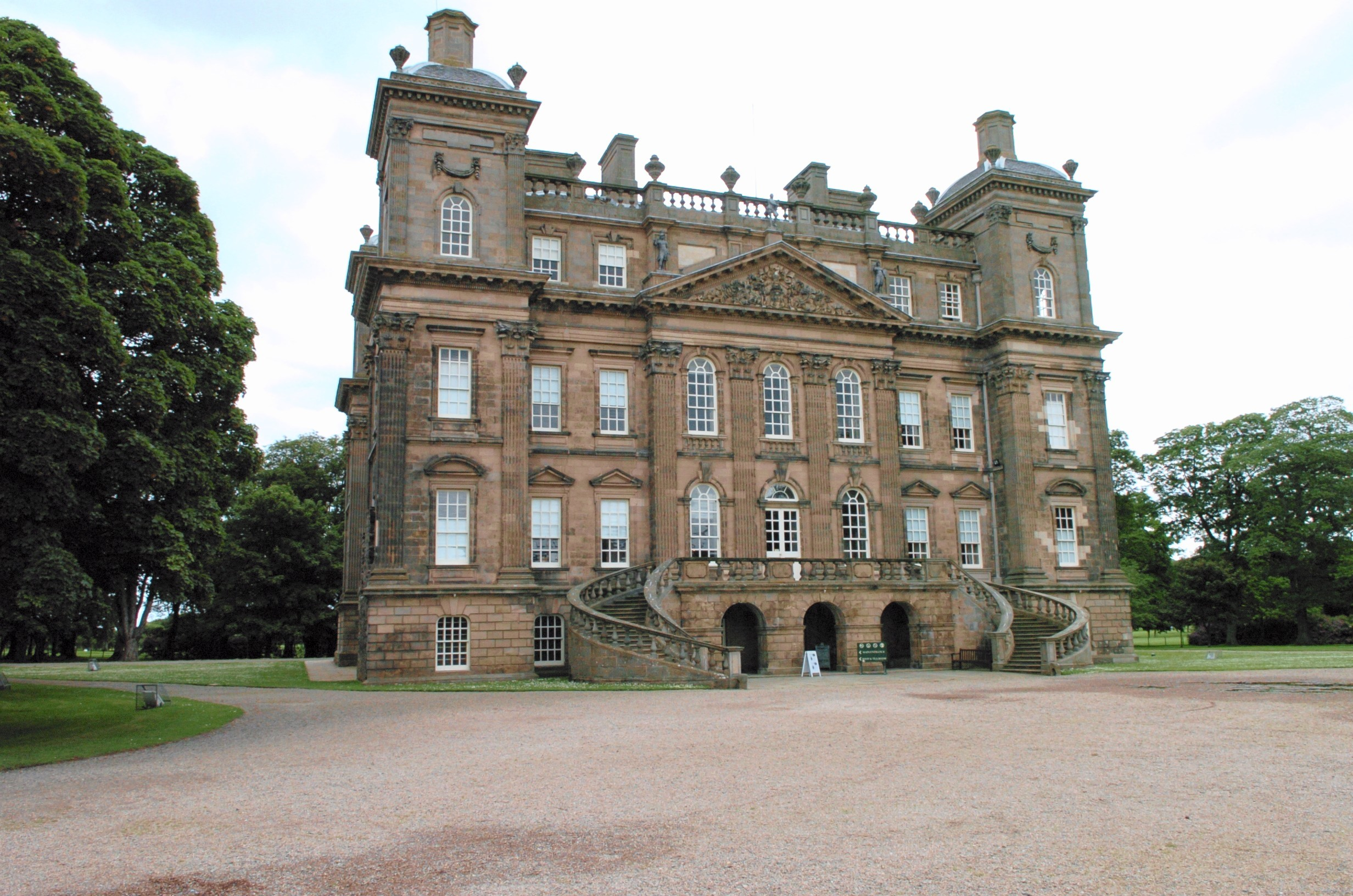 The aim is to host a music festival in the grounds of Duff House.