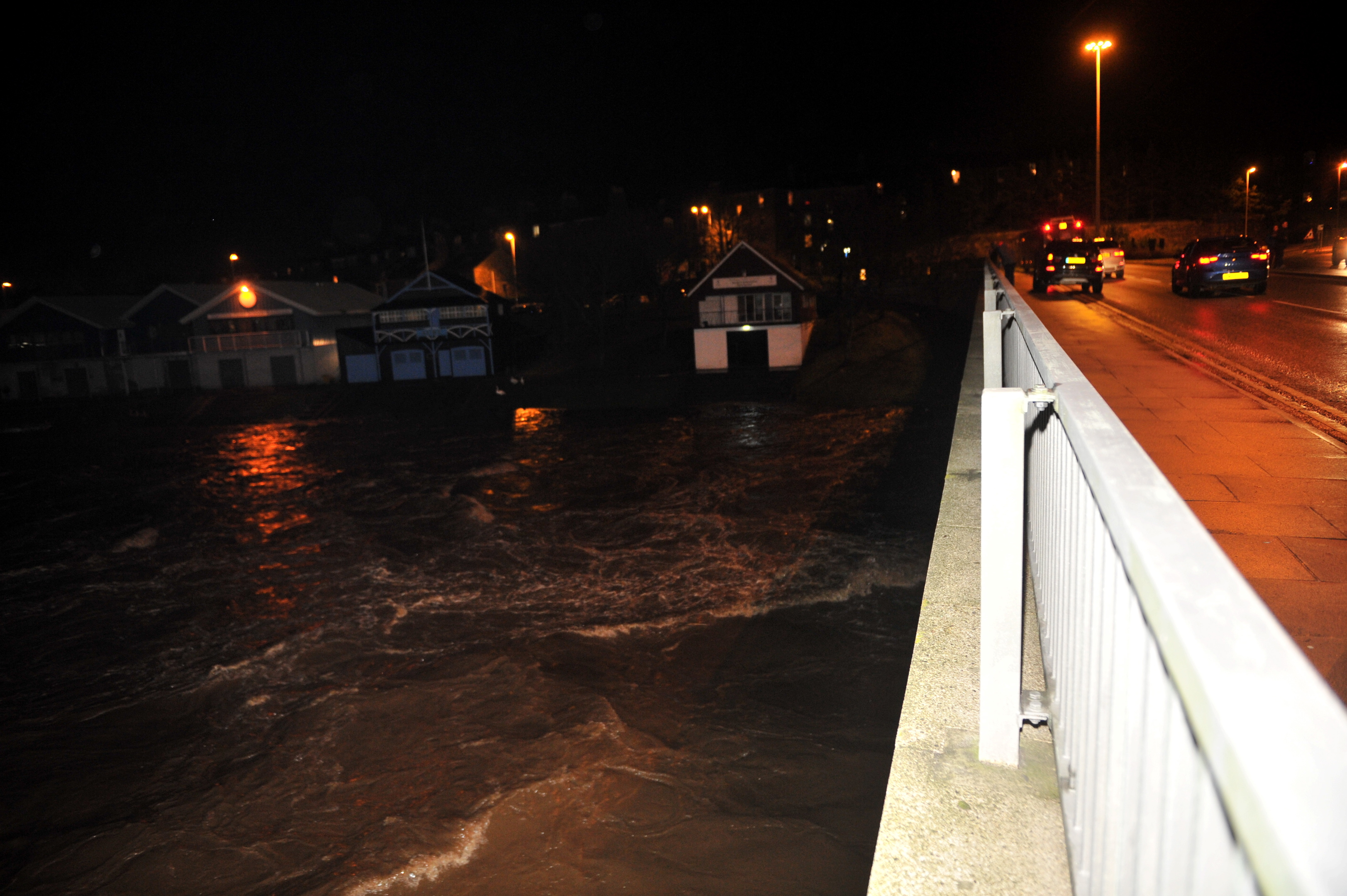 The storm saw  the river levels rise beneath King George Bridge and  caused problems for properties on the riverbank.