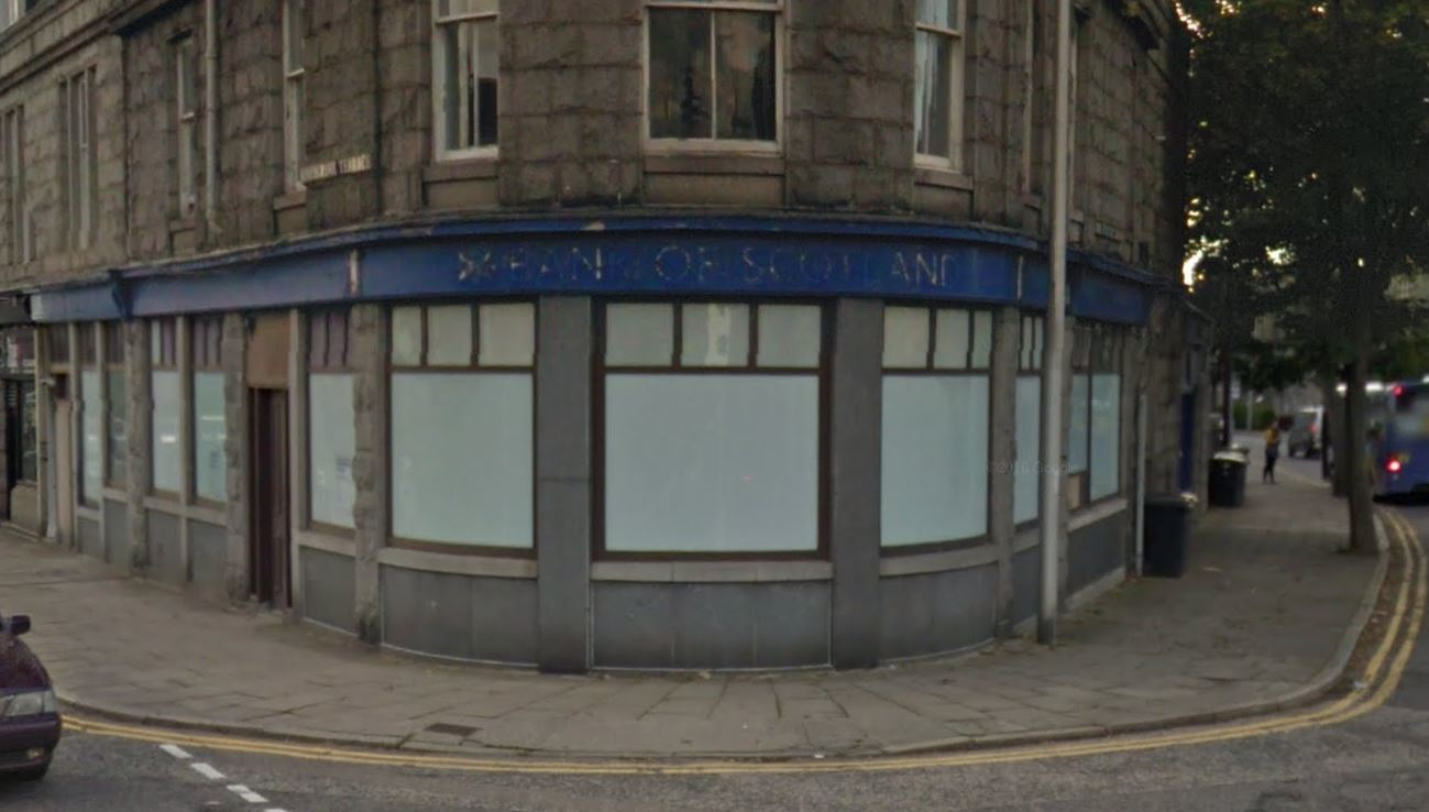 The former city bank could be turned into a cafe. Picture: Google.