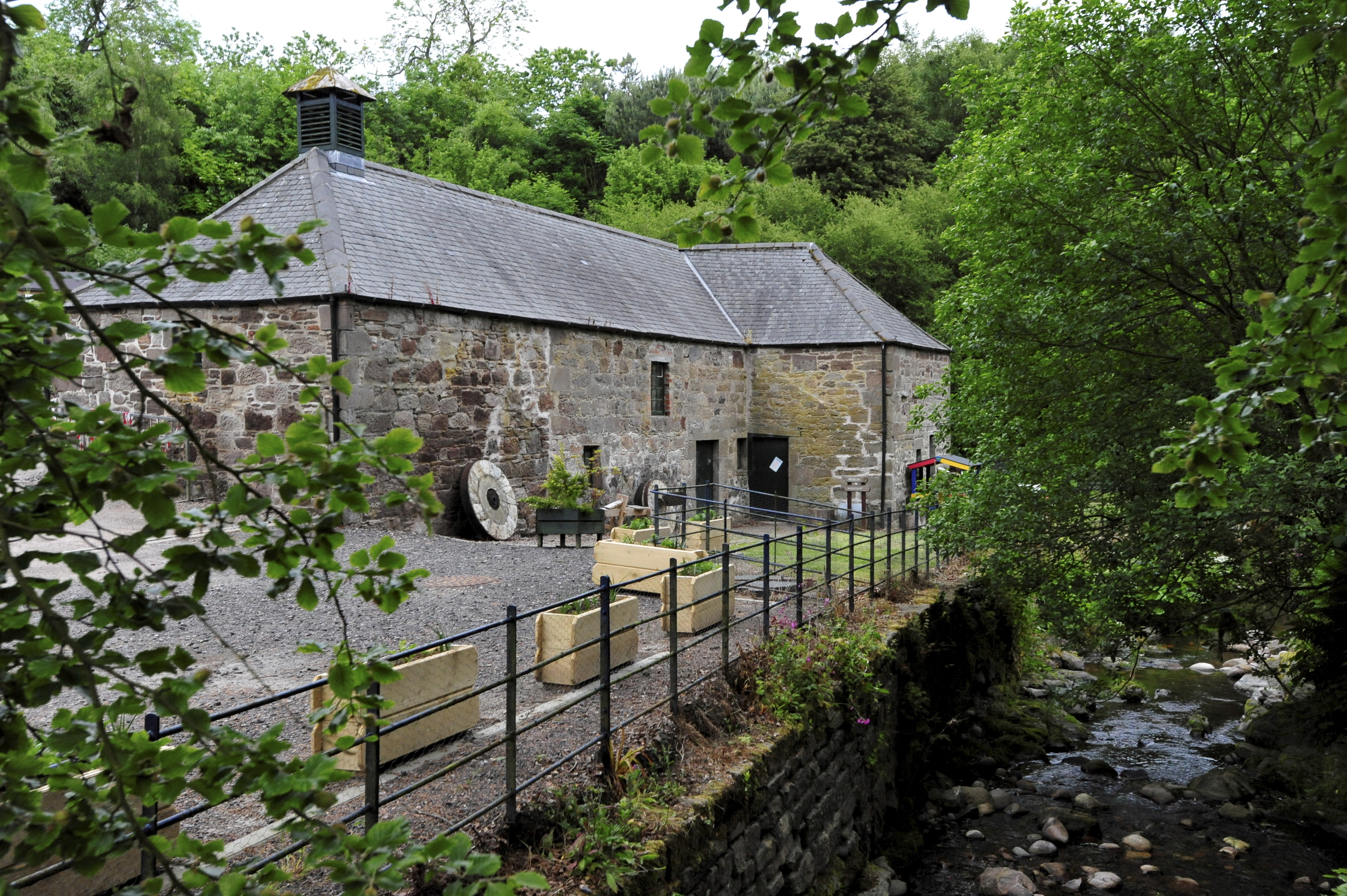 Councillors have been advised to agree plans which would see the Mill of Benholm restored.