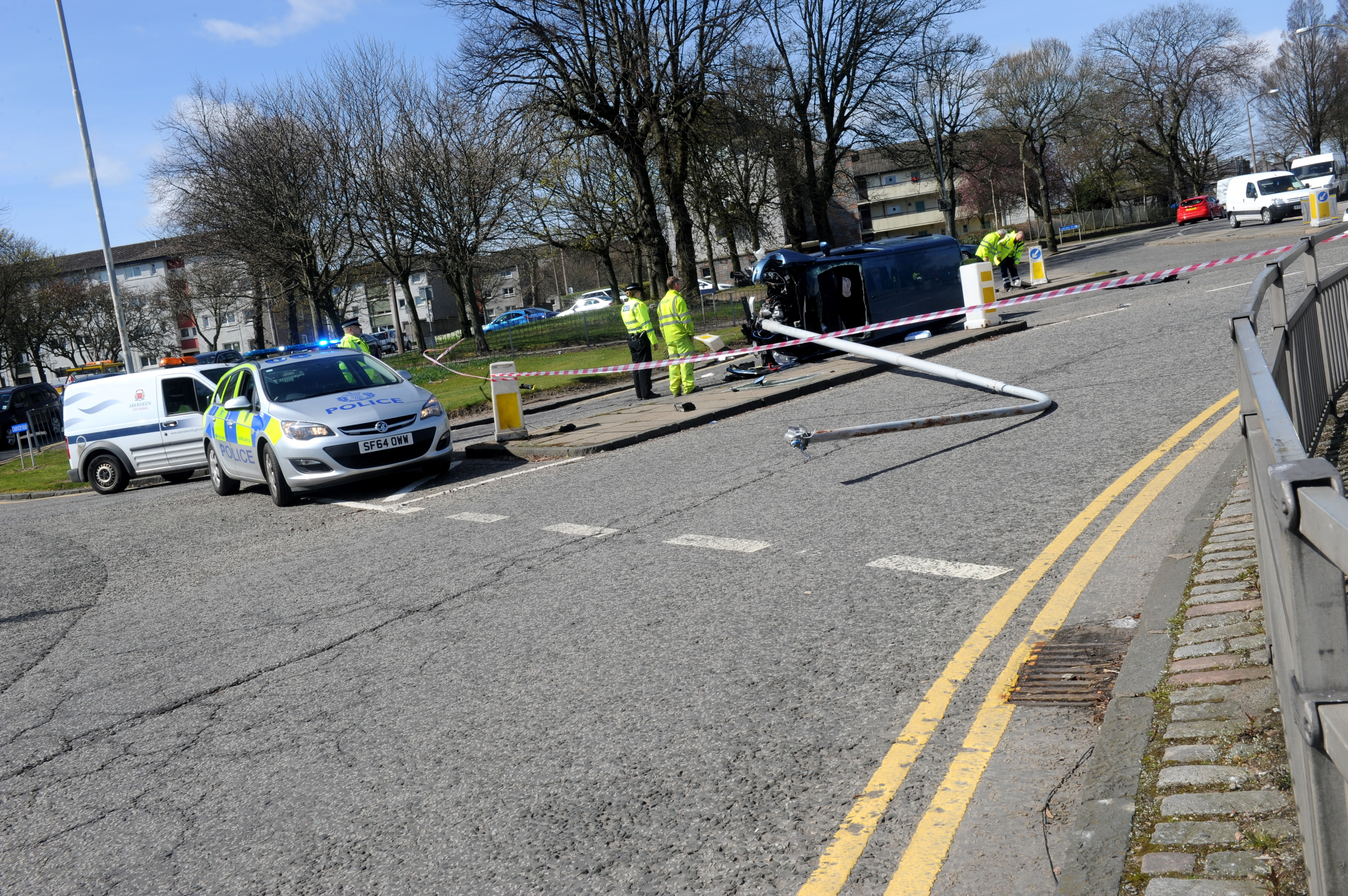 The crash  on Rosehill Drive, Aberdeen, trapped Stephen Robertson in his car.