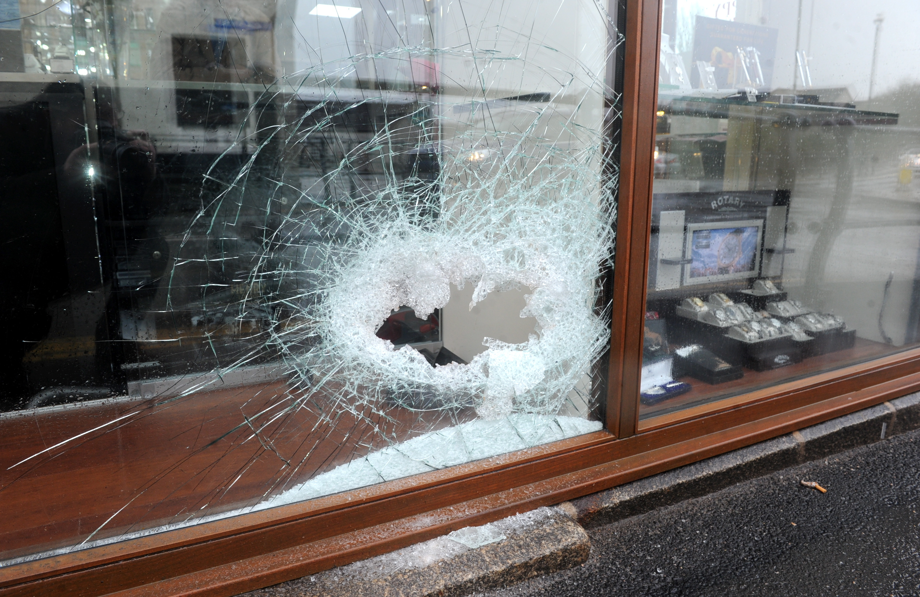 Thieves smashed a window and stole watches from  K&C Jewellers in Ellon on Saturday.