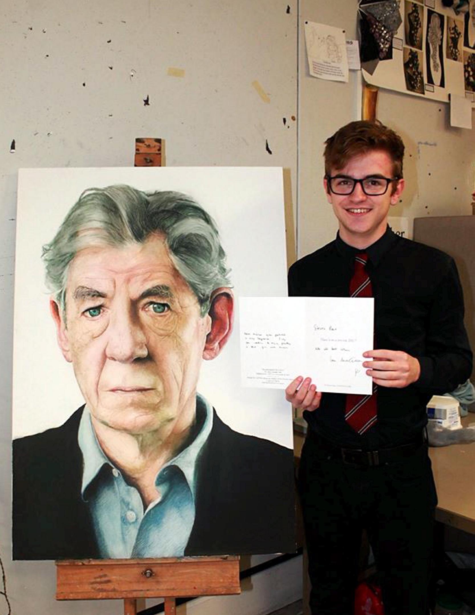 Note:  Steven Rae with his portrait of Sir Ian McKellen.