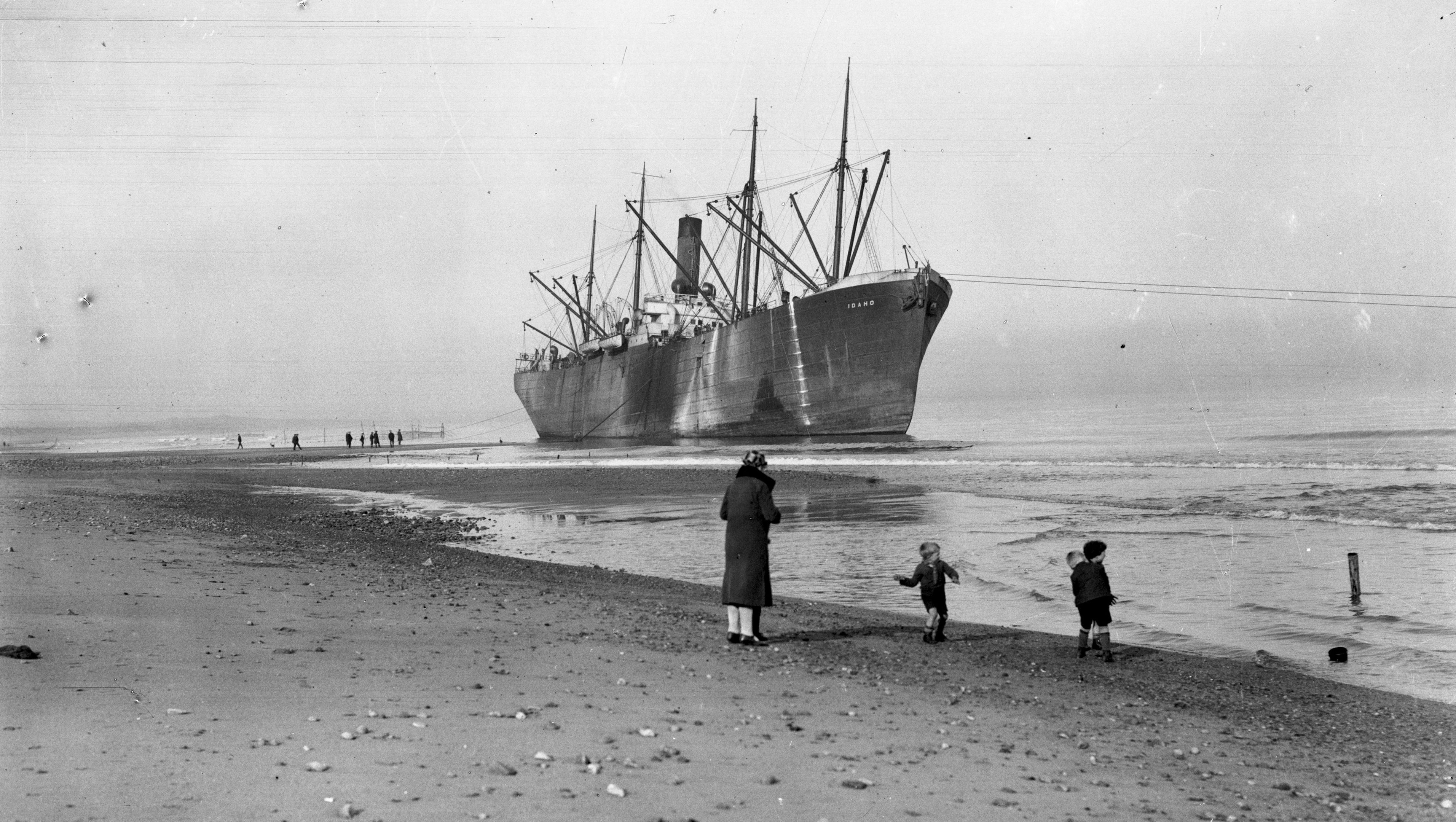 The Idaho ran aground at Aberdeen beach after it missed the harbour entrance in thick fog.