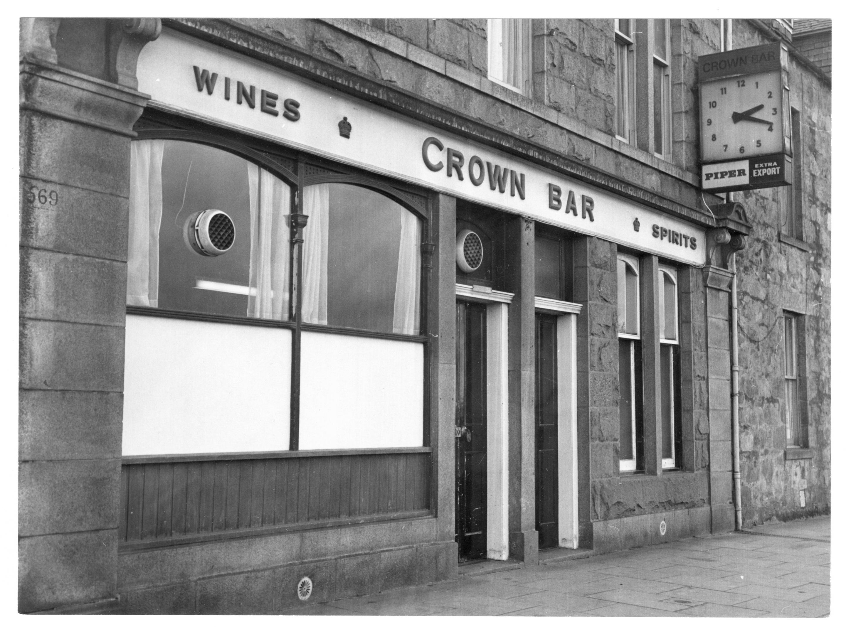 A view of the exterior of the Crown Bar in Woodside, Aberdeen, in 1979.