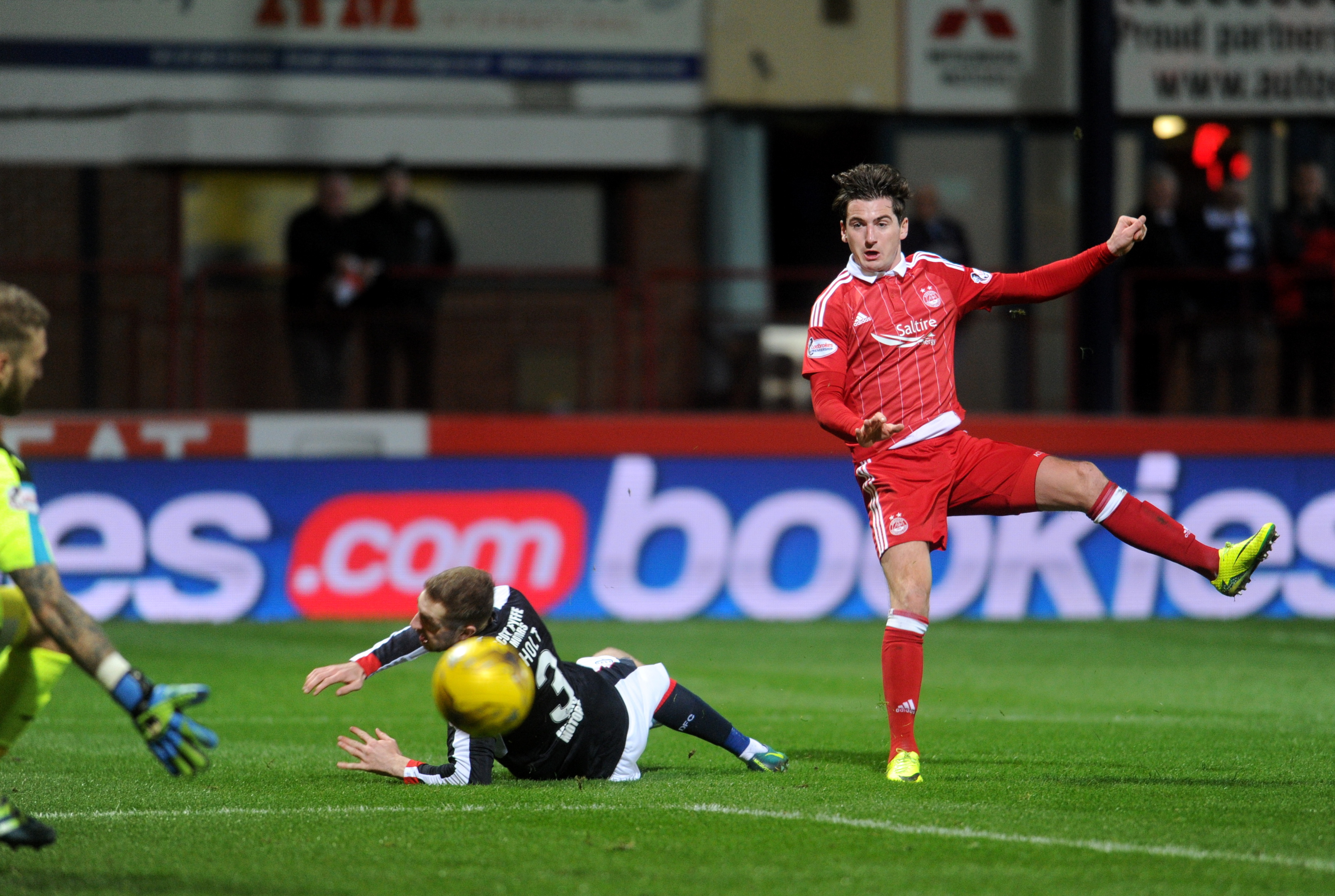 Kenny McLean firing home against Dundee. (Picture by Darrell Benns.)