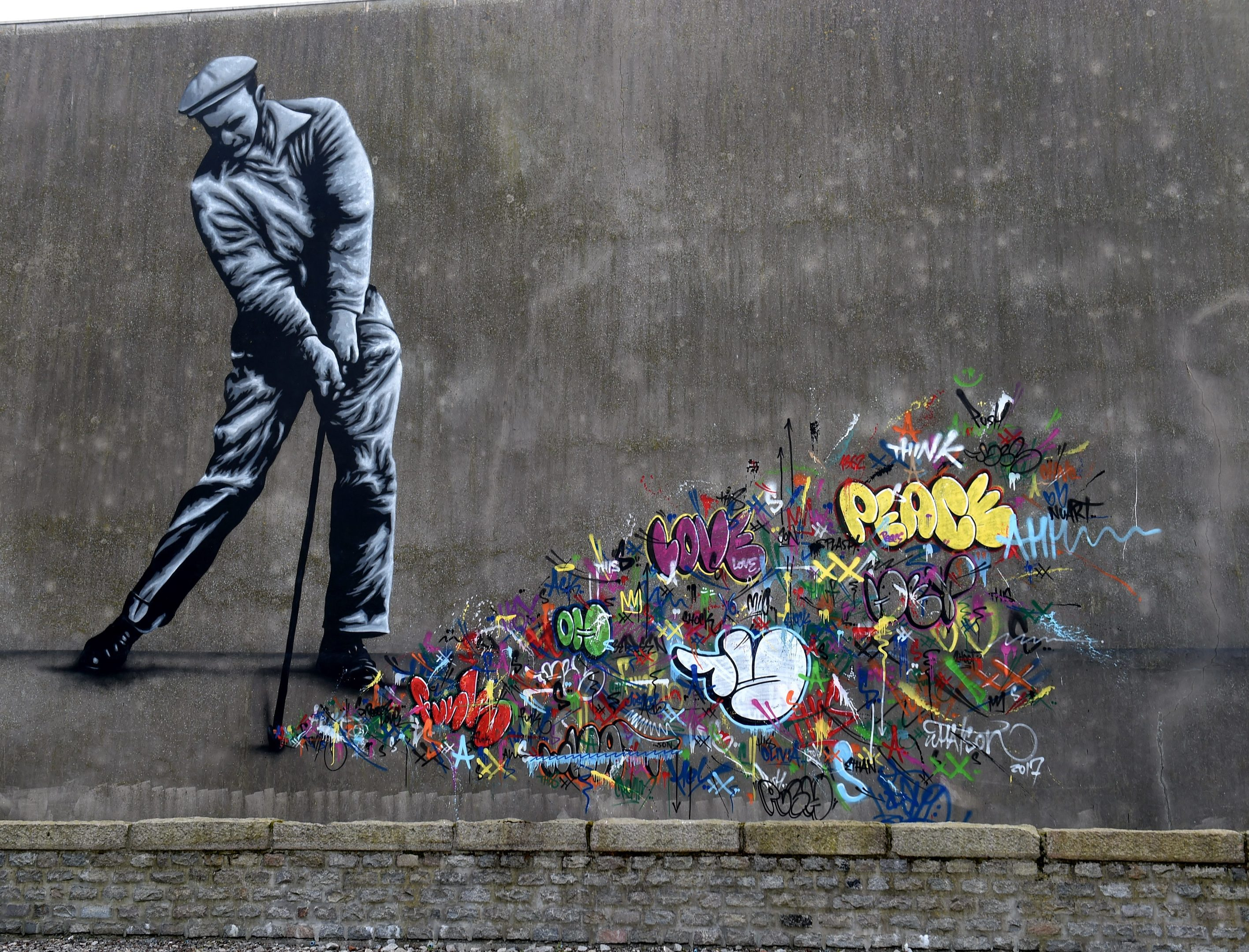 An artwork by Martin Whatson on Queen Street.