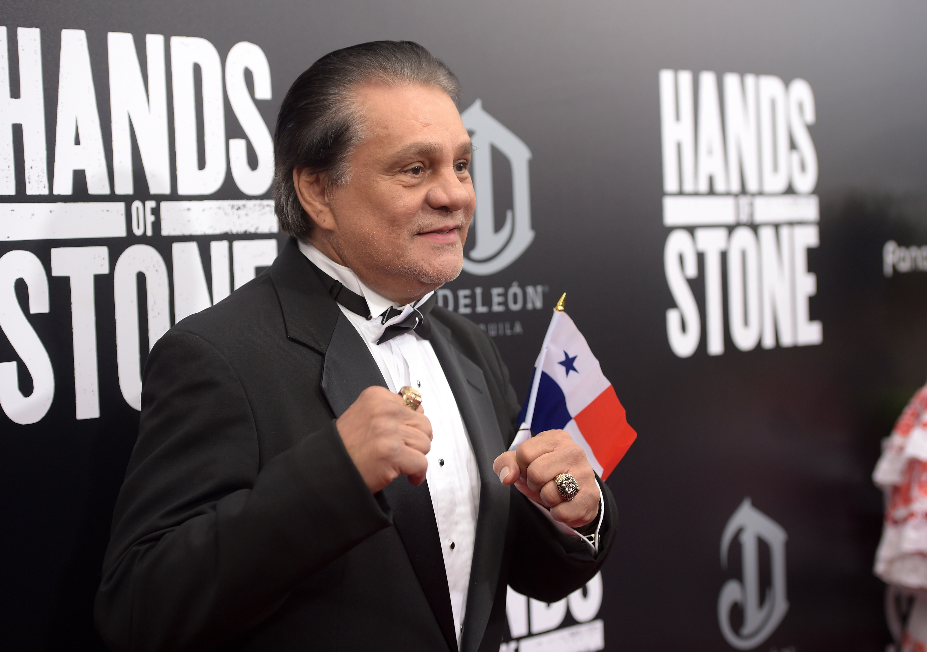 Roberto Duran, promoting his film Hands of Stone, has dismissed the credibility of a fight between Conor McGregor and Floyd Mayweather.