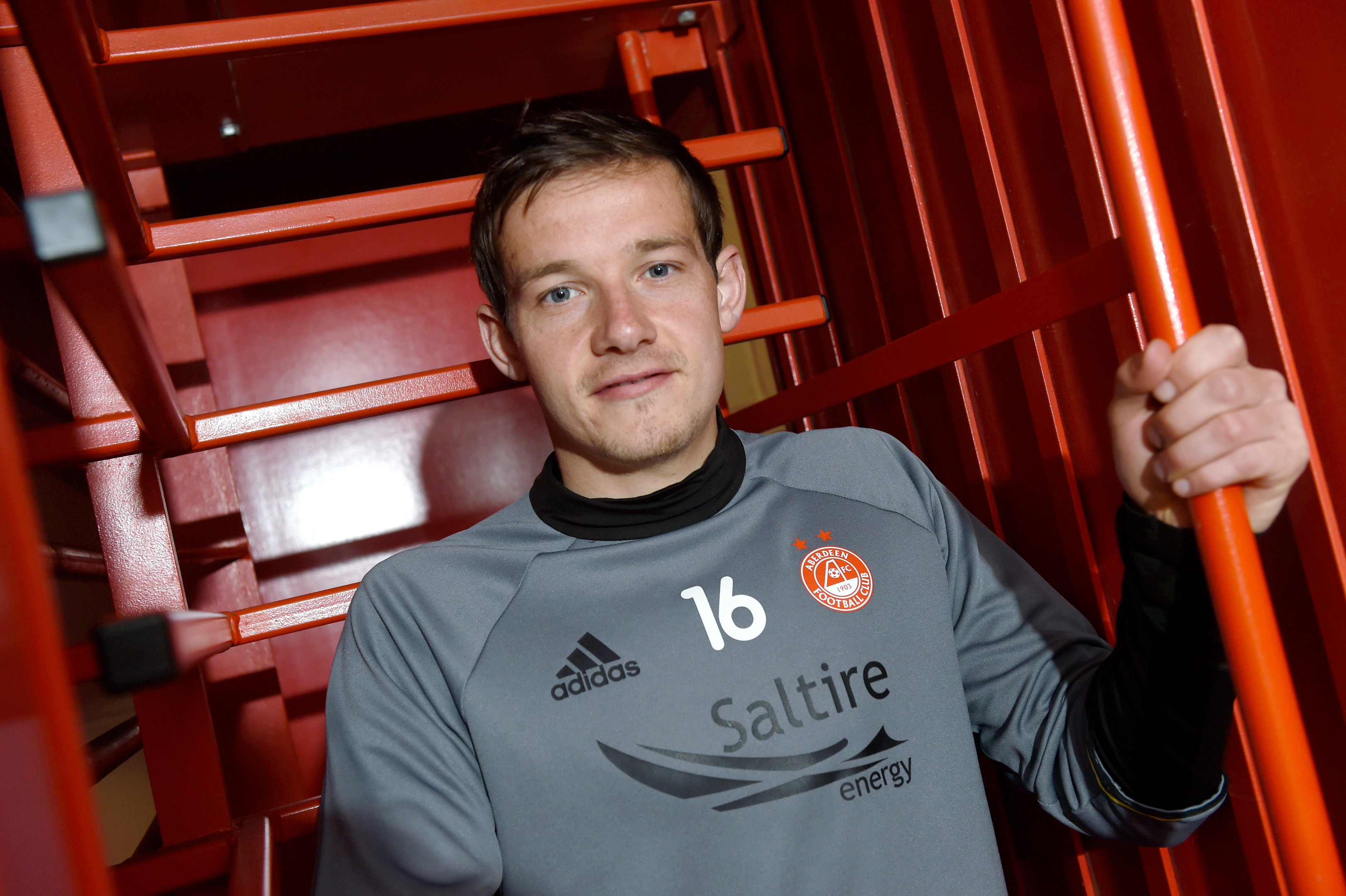 STILL AT HOME:  Peter Pawlett at Pittodrie.