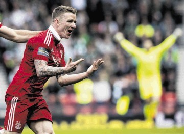 Jonny Hayes in Aberdeen colours.
