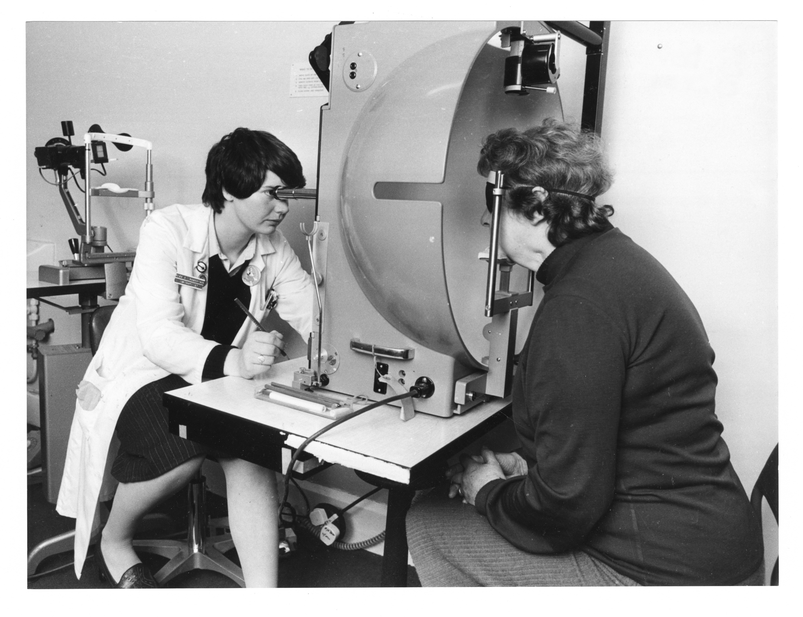 Orthoptist Eva Robertson examines the side vision of Margaret Hutcheon at the Woolmanhill Eye Clinic.