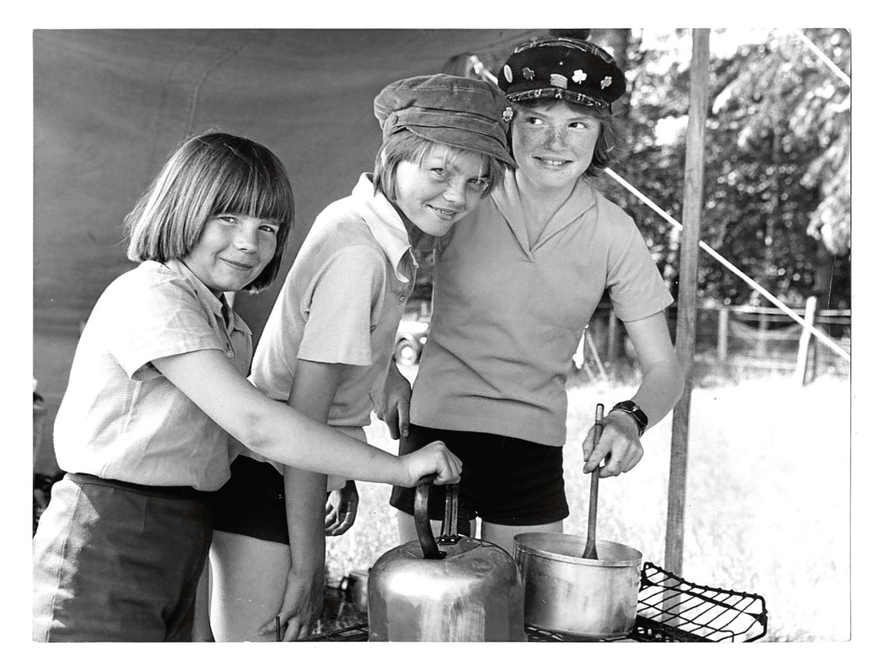 1977: Garthdee Guides camping at Crathes Castle.
