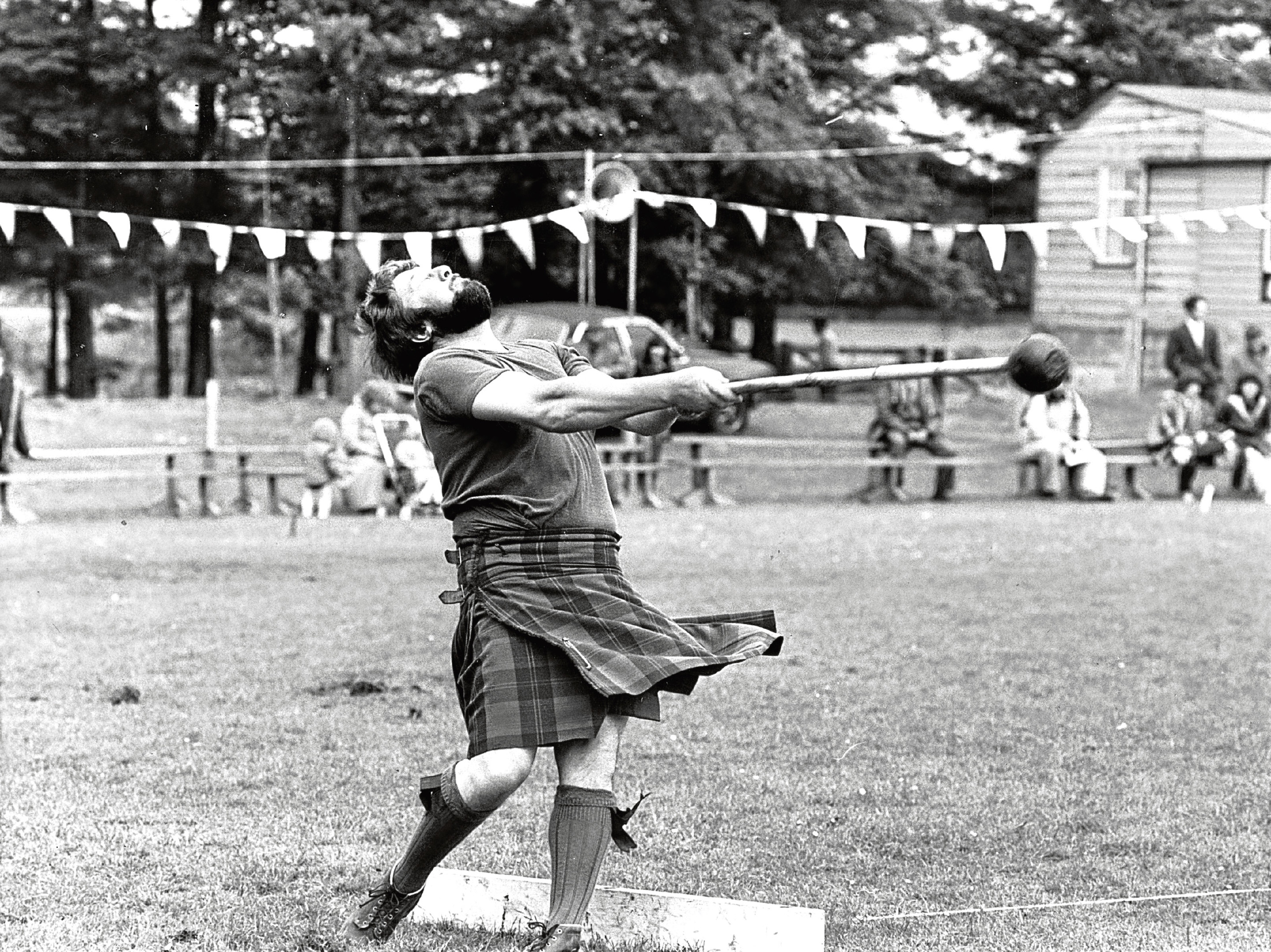 Alan Sim of Fettercairn has a mighty effort at throwing the light hammer at Oldmeldrum Sports.