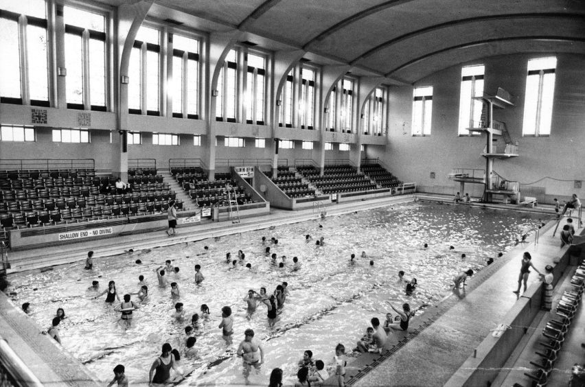 A busy session at Aberdeen's Bon-Accord Baths on Justice Mill Lane in this picture from October 1990.