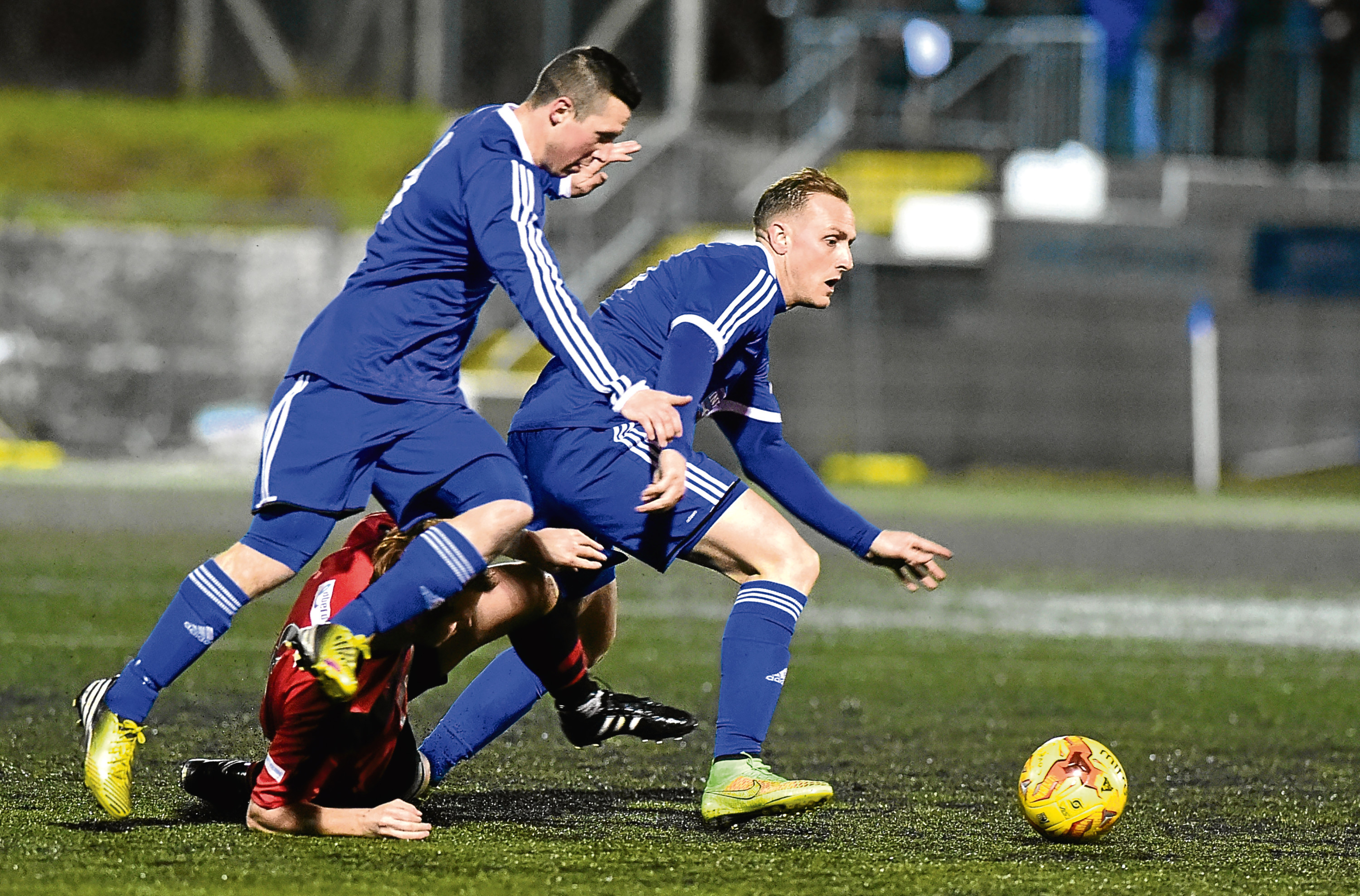 Jonny Smith knows how to win the Highland League, after success with Cove.