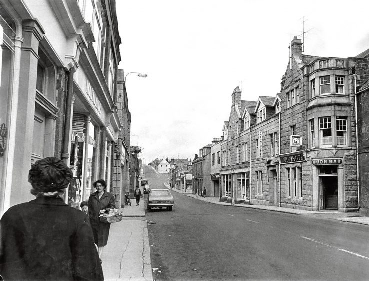 1968; A view of the main street of Turriff.