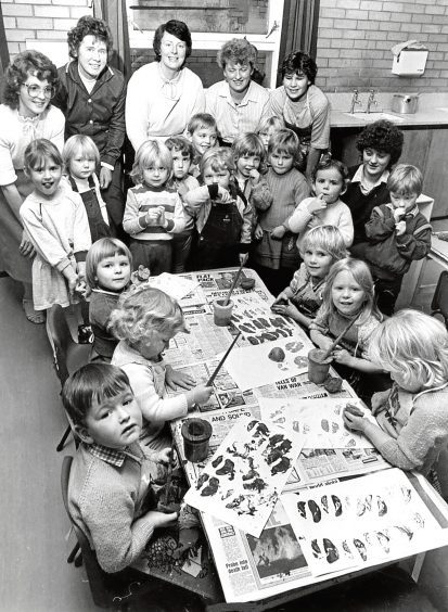 1984: Assembly time at the pre-school playgroup at the Gateway Centre, Turriff.