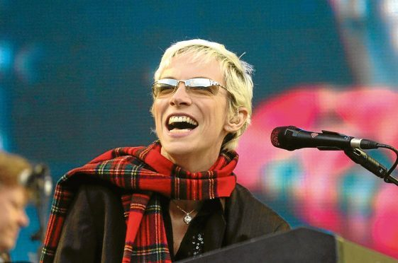 Annie Lennox will perform a live set from her home tonight