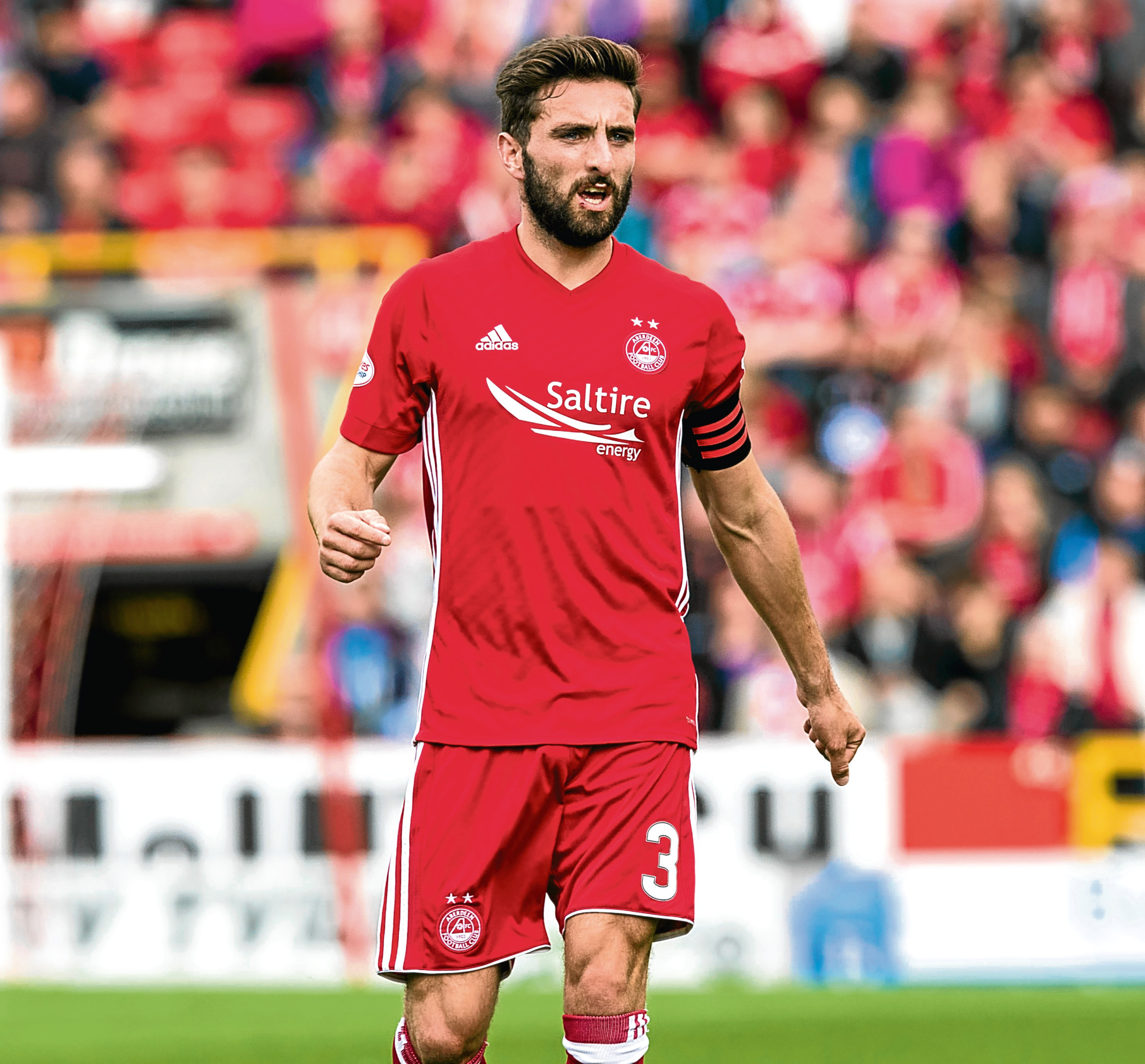 Graeme Shinnie in action for Aberdeen.