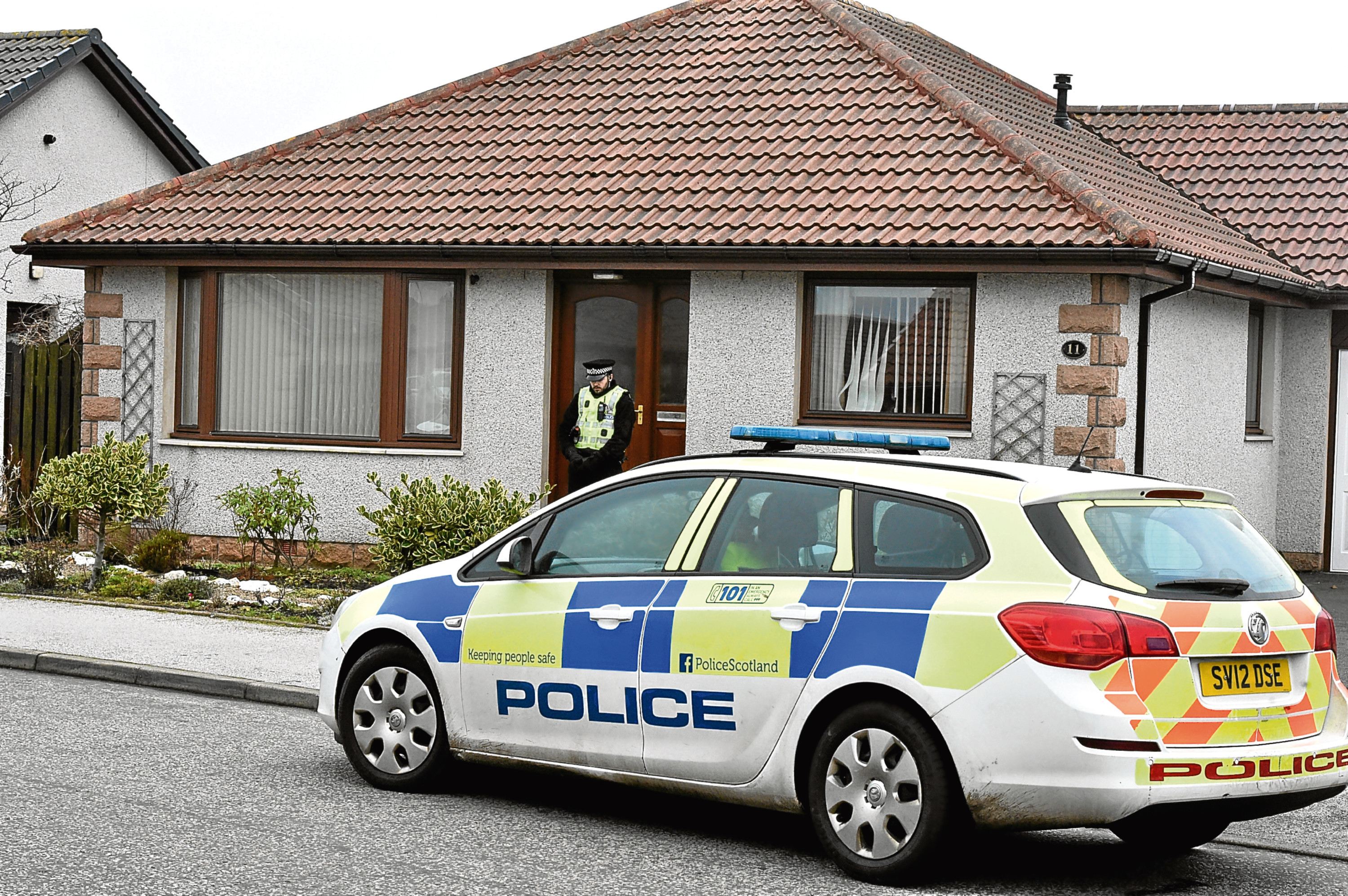 Peterhead - Police and forensic at a house at Peter Buchan Drive. A man was injured there.  Picture by COLIN RENNIE    January 27, 2017.
