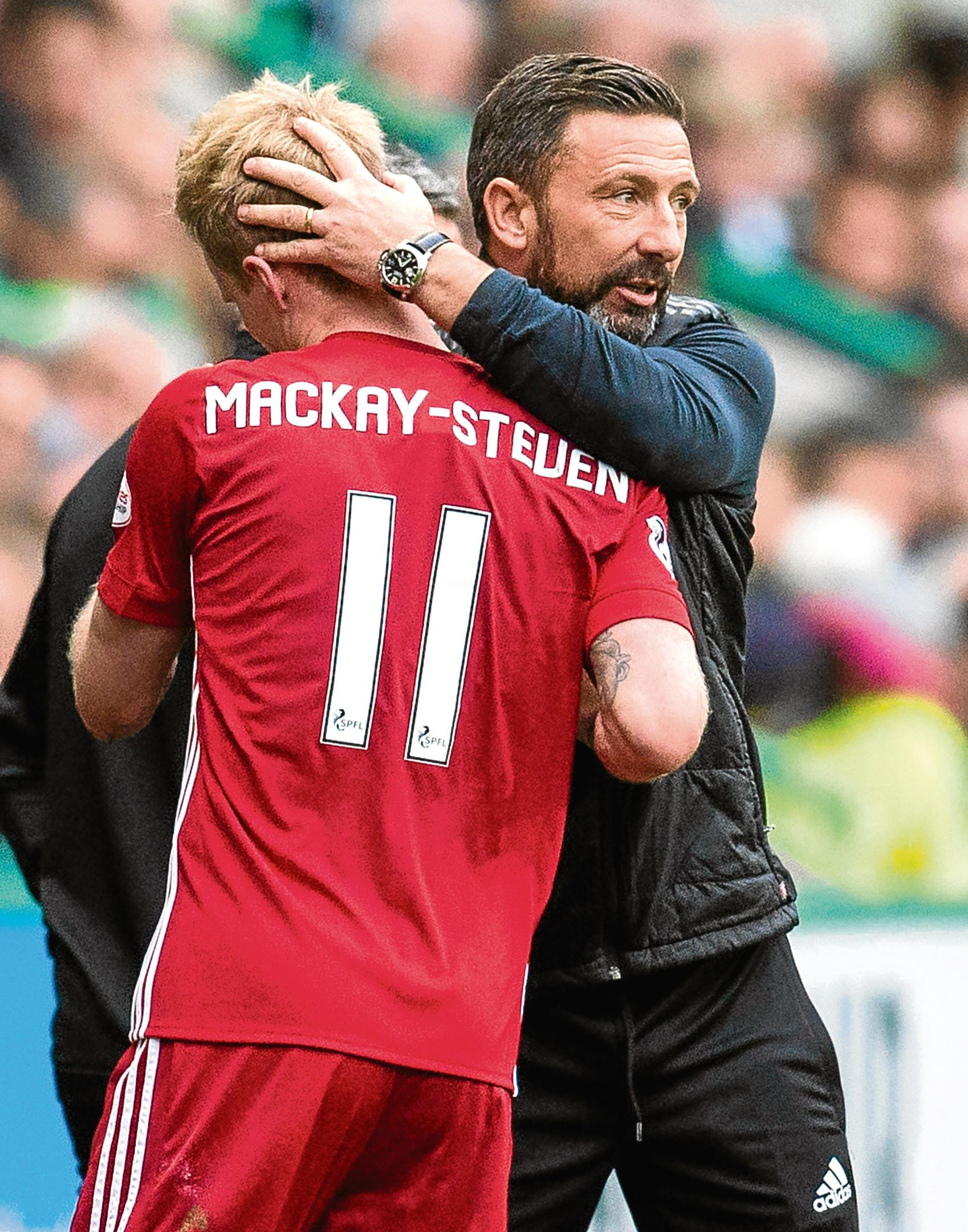 Aberdeen manager Derek McInnes with goalscorer Gary Mackay-Steven.