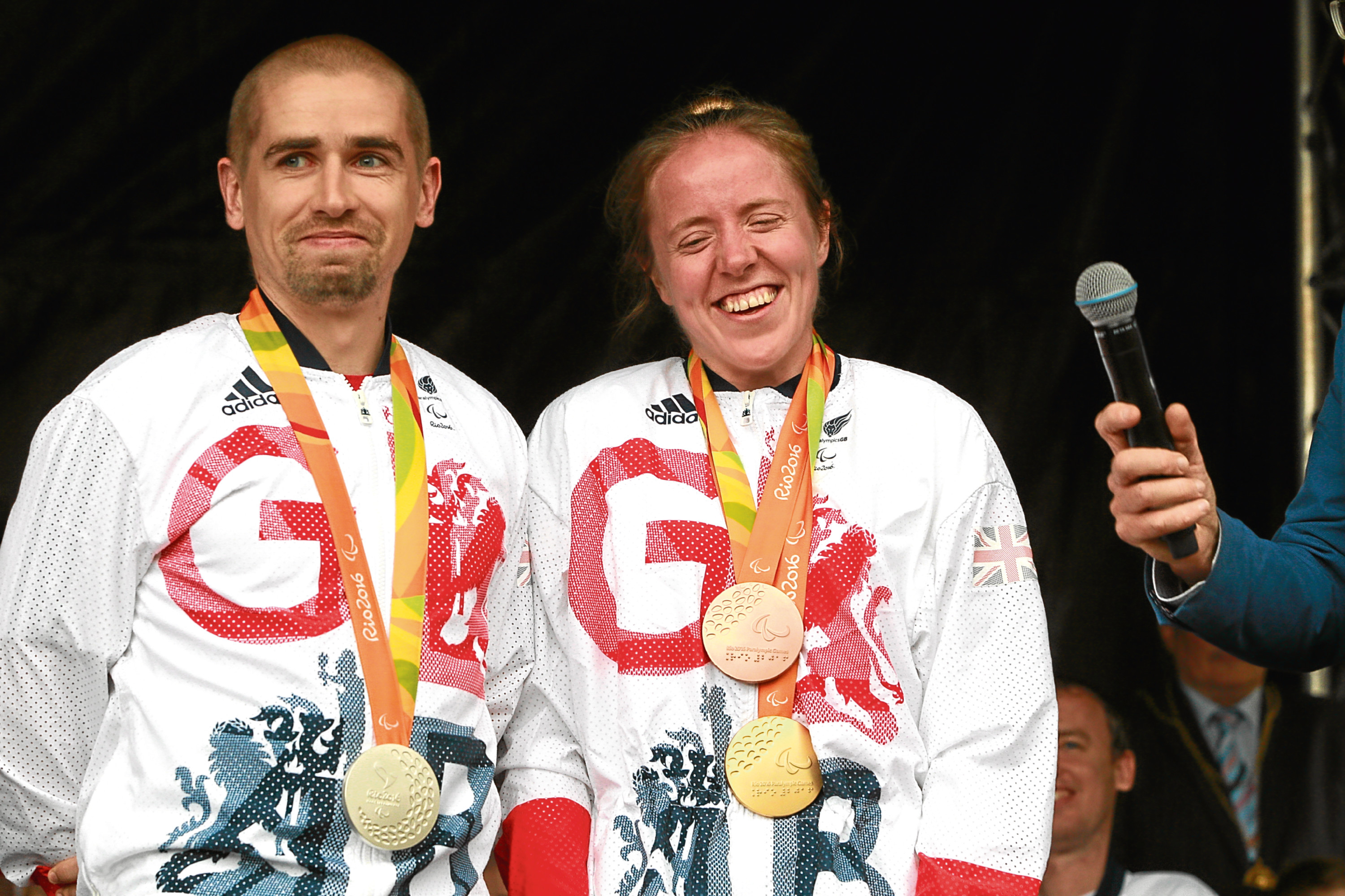 Neil and Lora Fachie with their Rio Paralympics medals.