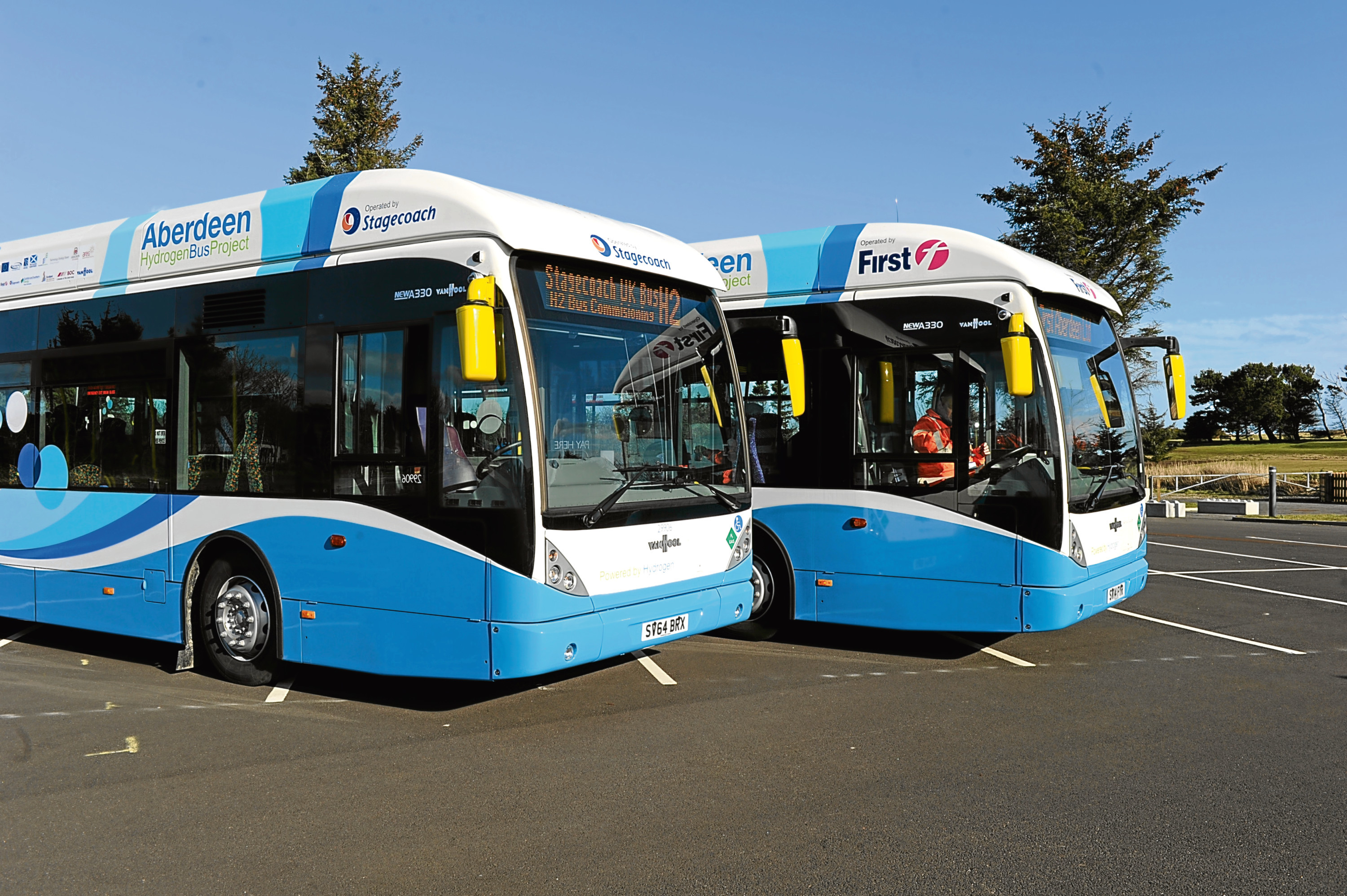 The buses will join the city's existing hydrogen bus fleet at no additional cost to the council