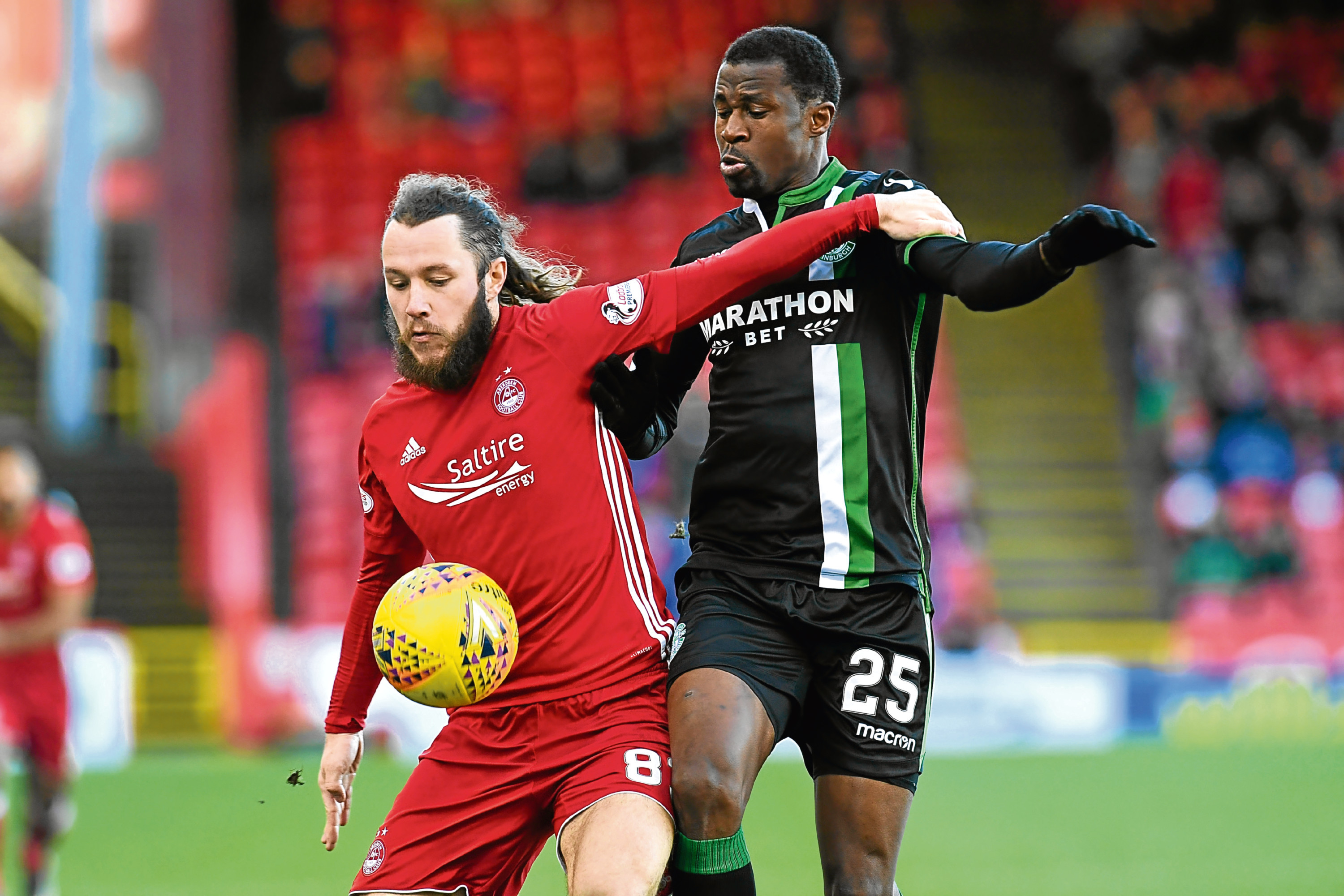 Hibernian's Efe Ambrose, right, with Aberdeen's Stevie May.