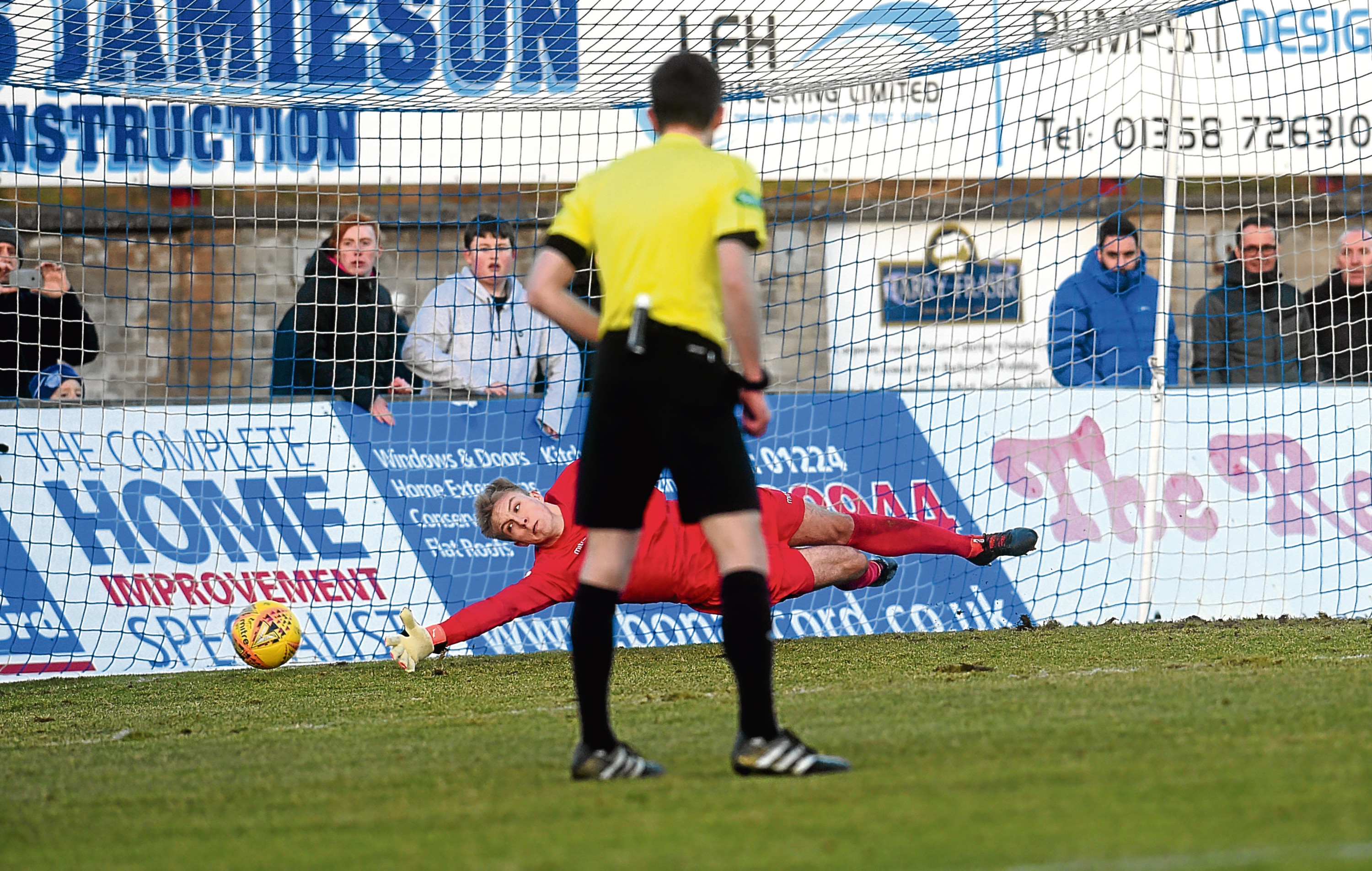 Rory McAllisters penalty secured a share of the points for Peterhead.