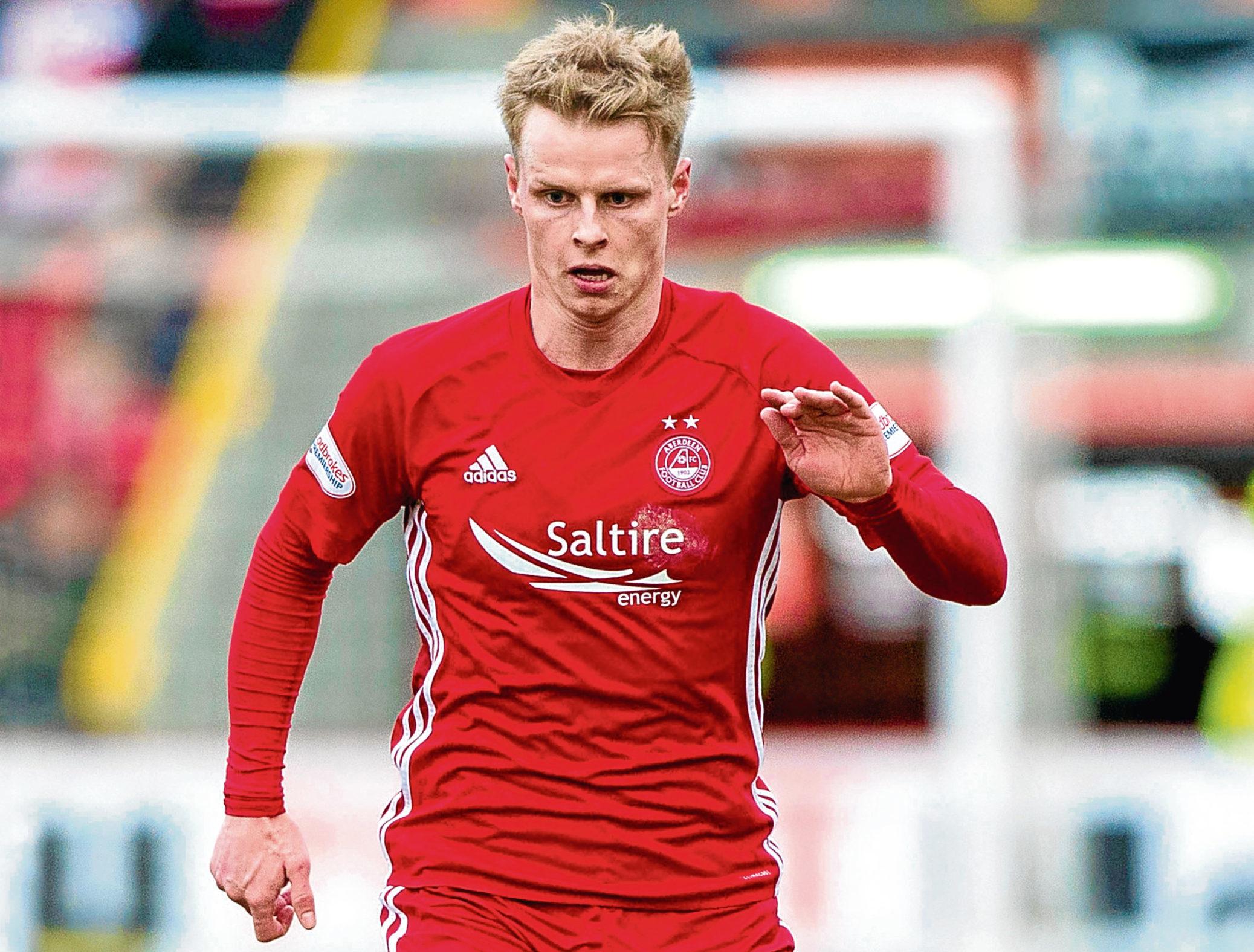 Gary Mackay-Steven in action for Aberdeen.