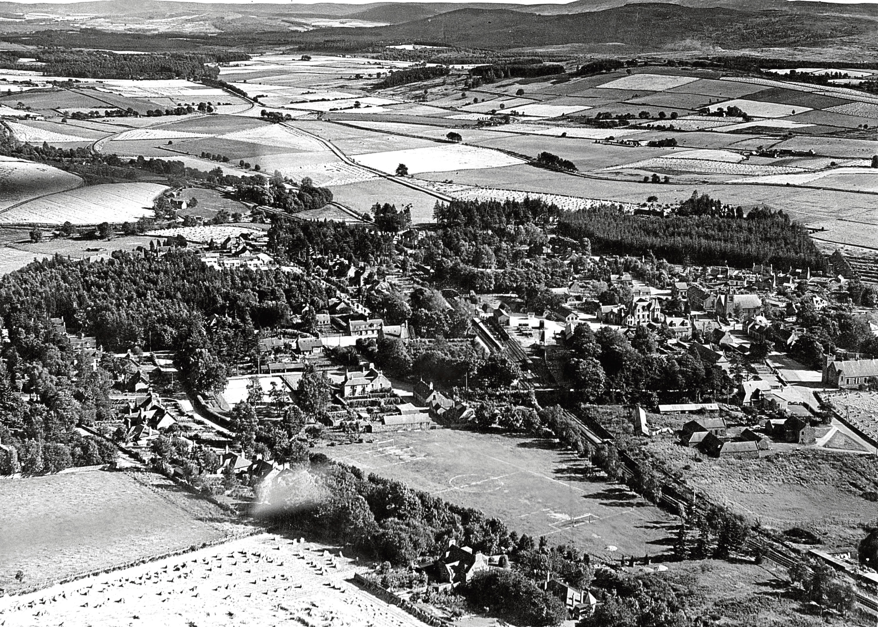 1948: An aerial view of the Aberdeenshire village, taken in September.