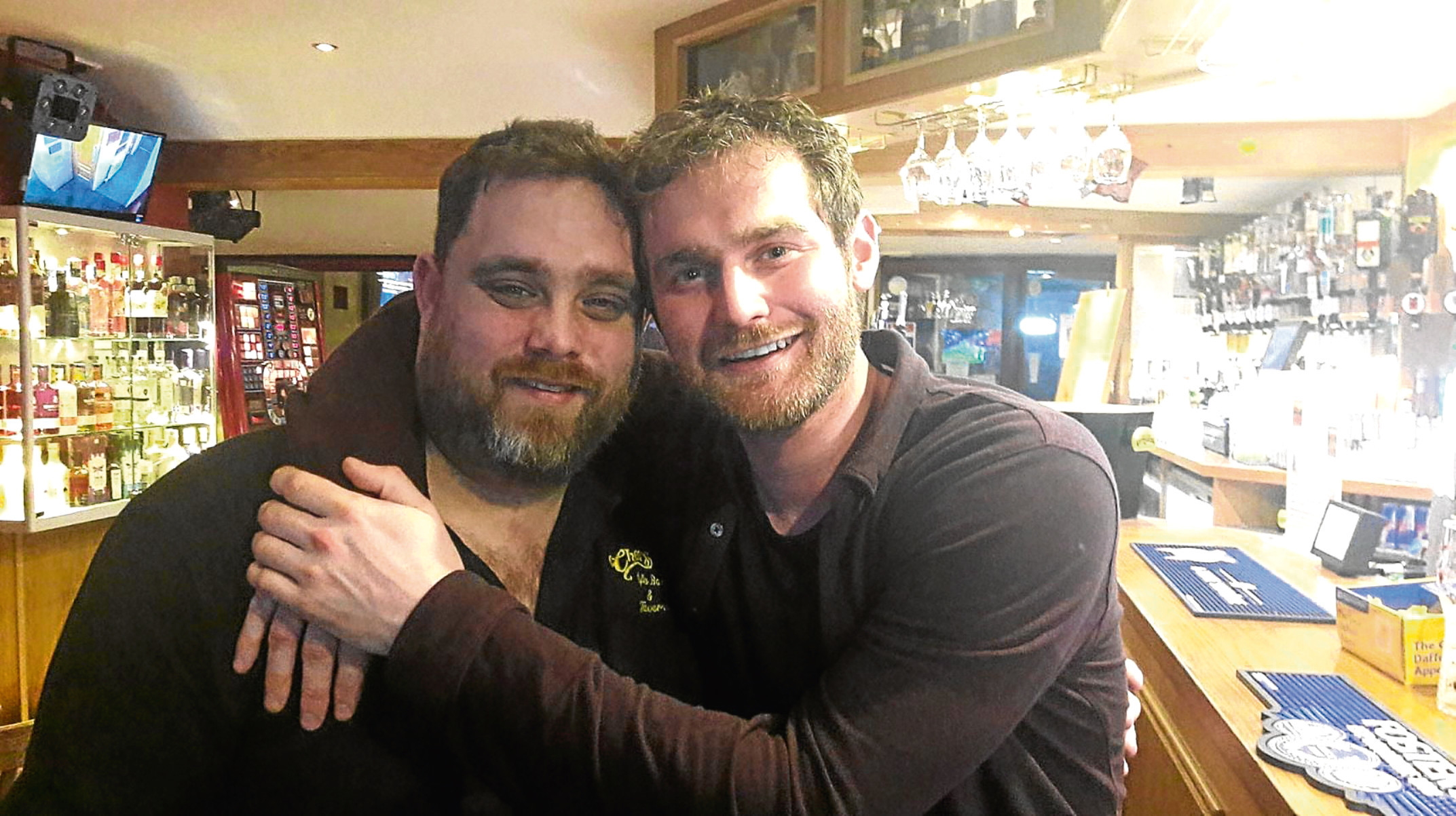 Game of Thrones star Mark Stanley and Cheers Café Bar and Tavern barman Craig Gerrard