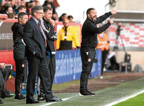 Aberdeen manager Derek McInnes issues instructions