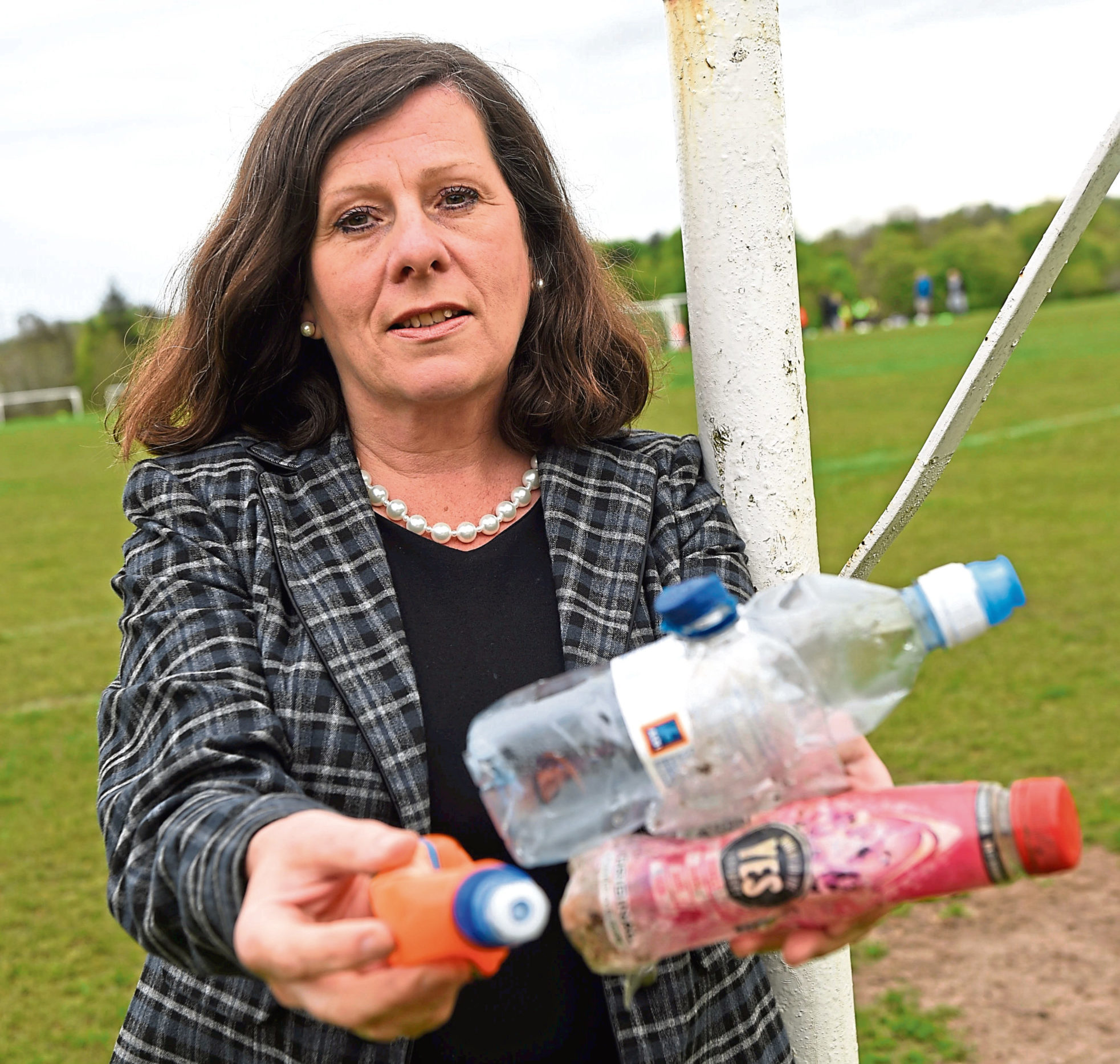 Councillor Jennifer Stewart is calling for a clean-up at Hazlehead Park