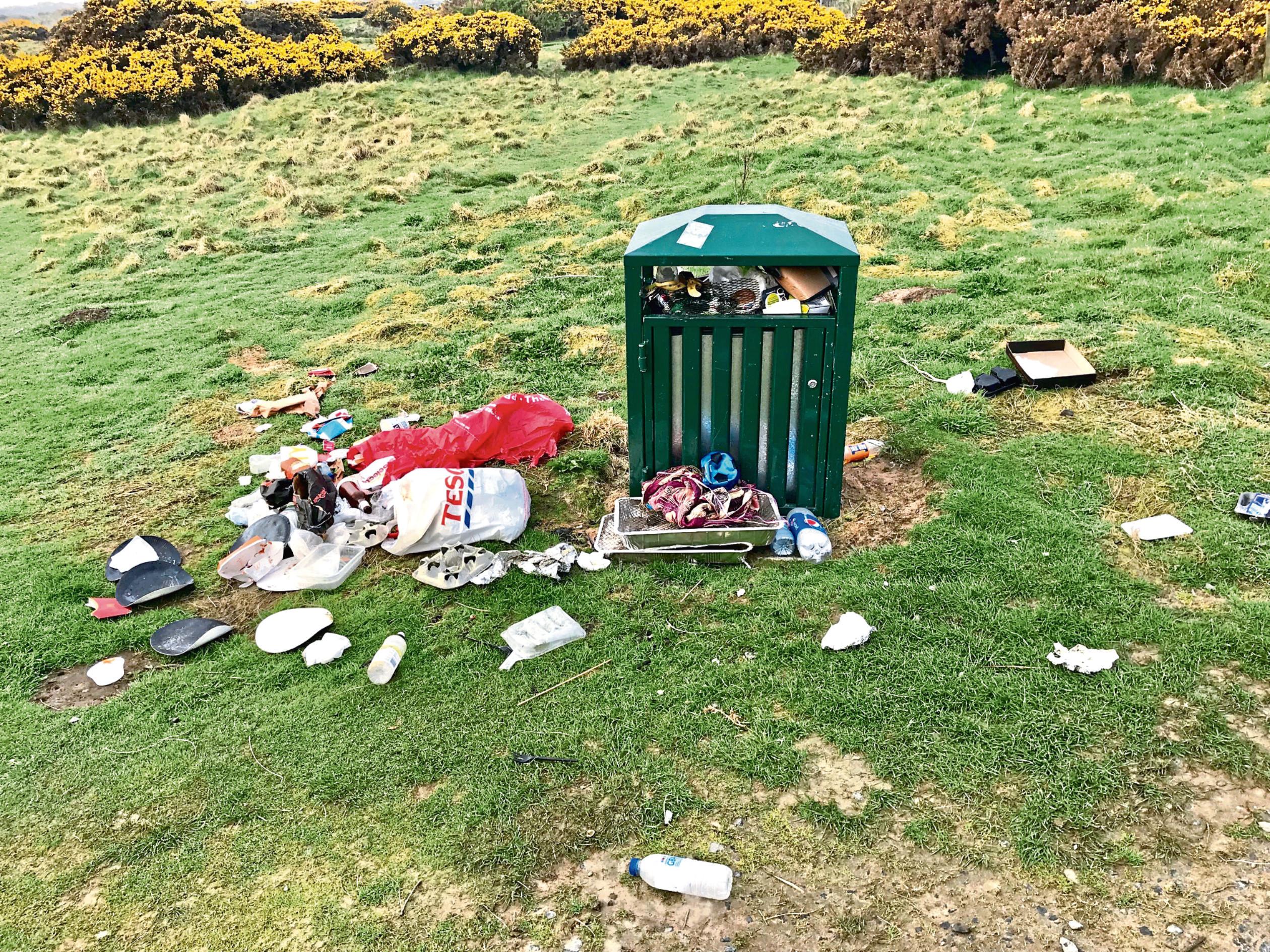 Balmedie beach rubbish