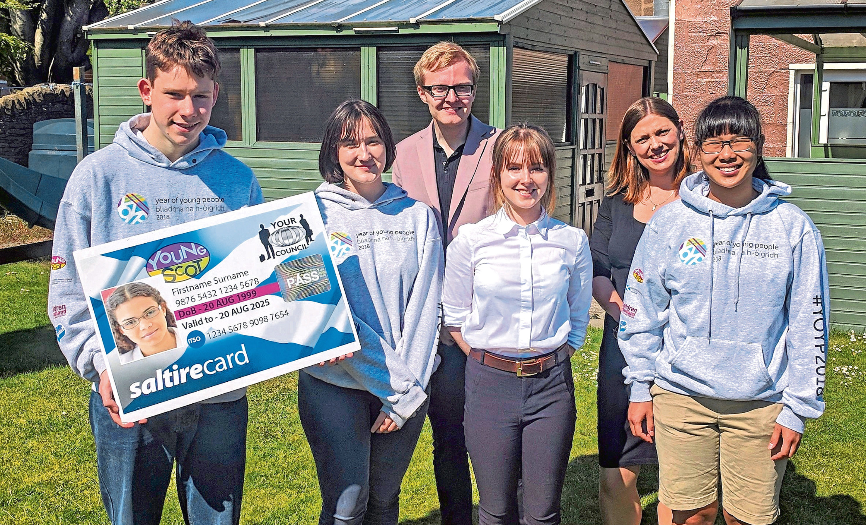 Aberdeenshire Council was promoting the Young Scot card at a meeting in St Cyrus.