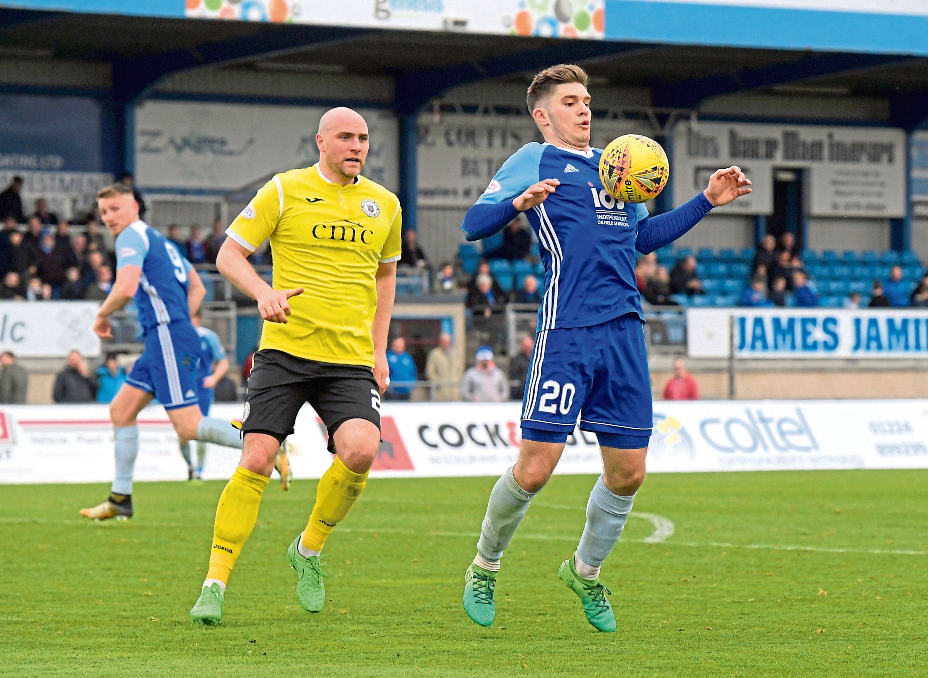 Jack Leitch in action for Peterhead.  Picture by Kath Flannery