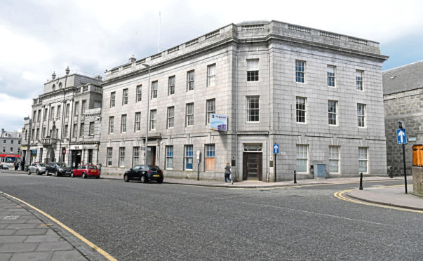 Crown House is set to be transformed into a restaurant, cafe and flats