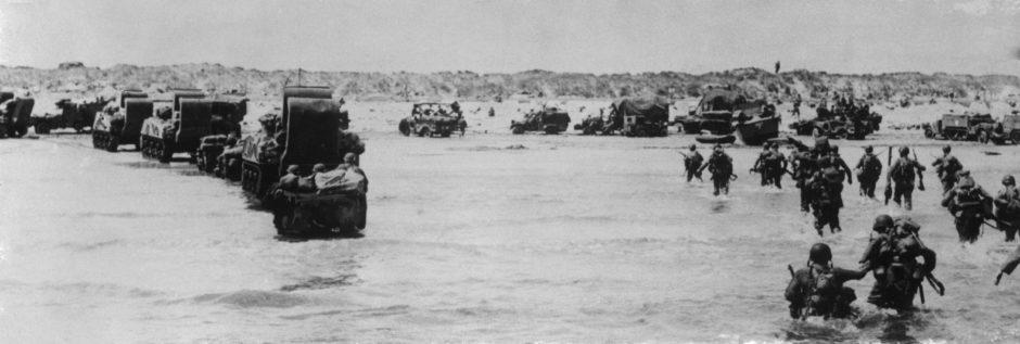 American troops land.