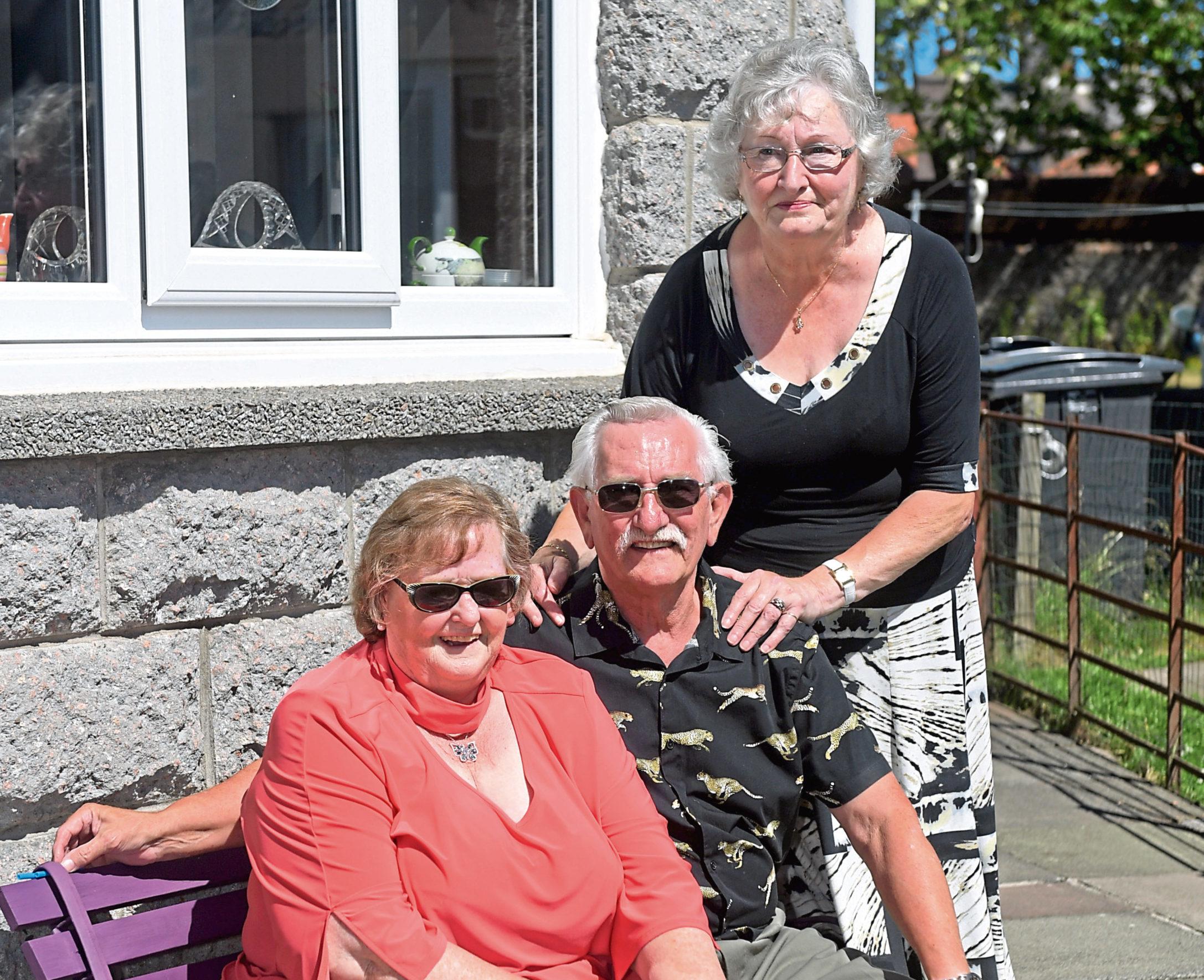 Barbara, Robert and his sister Aileen Simpson