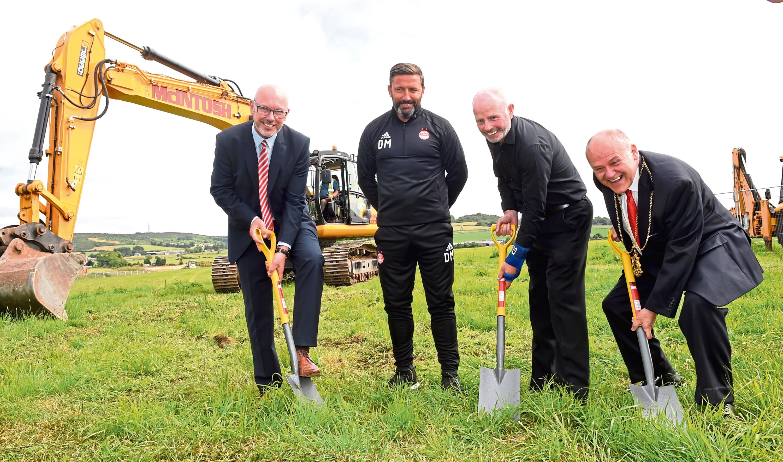 AFC Community Trust chief executive Ally Prockter, AFC manager Derek McInnes, AFC chairman, Stewart Milne and Lord Provost Barney Crockett