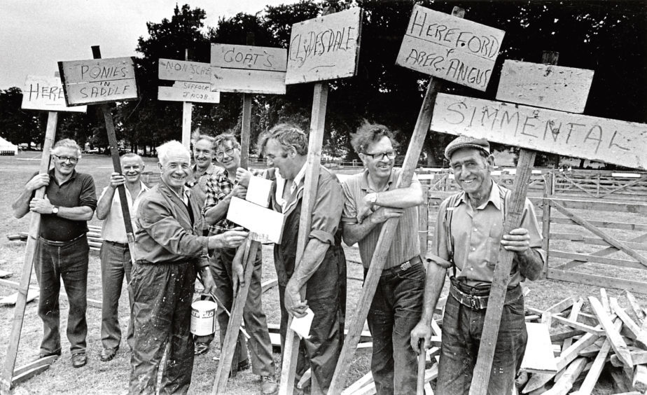 Putting up the signposts to Banchory Show were, from left, Charlie Leslie, Davie Humble, Jim Mitchell, Norman Wight, Bill Kidd, Frank Smart, Gordon Leslie, and Bob England