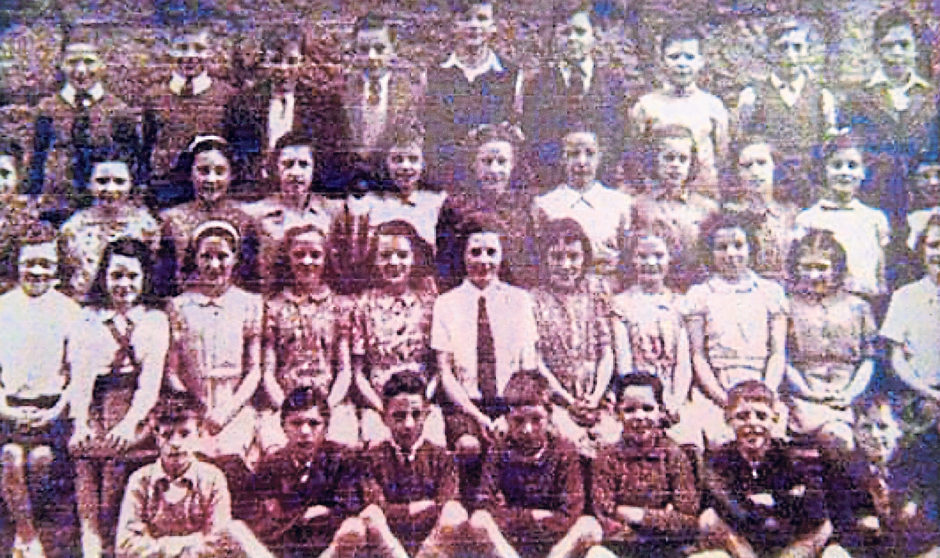 Youngsters at Torry Academy in 1950