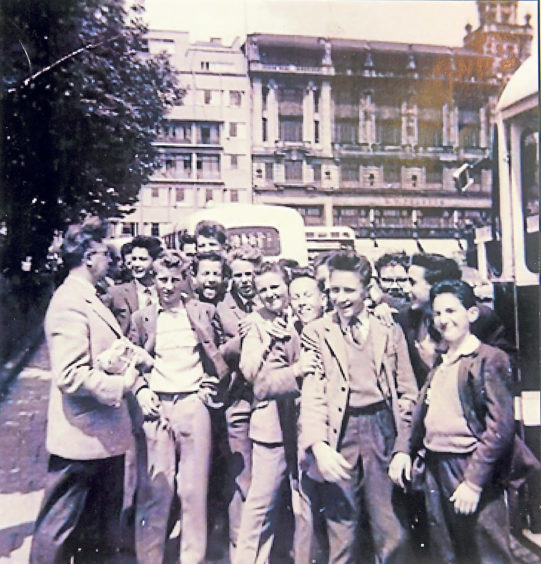 Torry young folk on a trip to London at the start of the 1960s