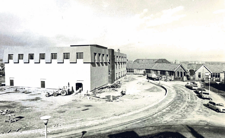 Work in progress at Torry Academy's new annexe in 1978
