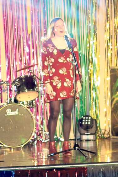 Sophie Hamilton sang an Adele hit